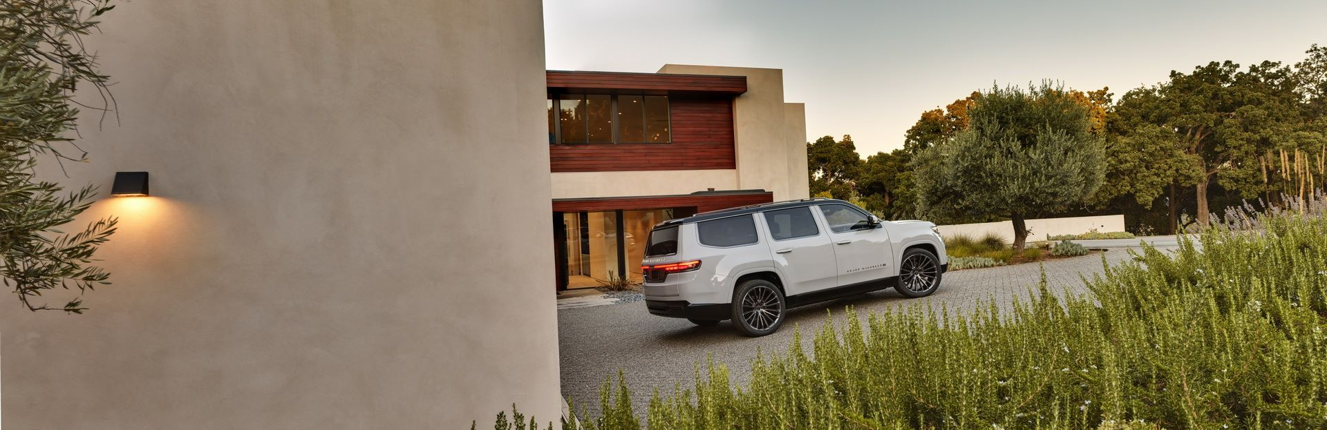 Jeep-Grand-Wagoneer-Concept-22