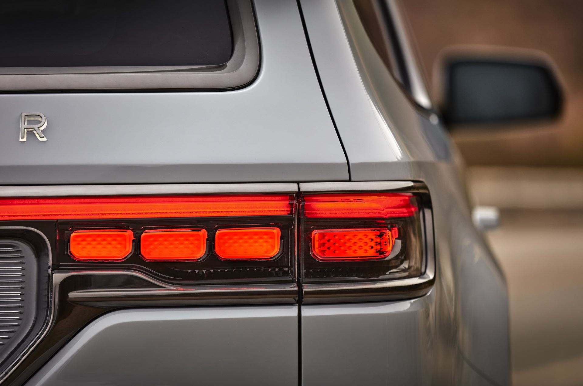 Jeep-Grand-Wagoneer-Concept-31