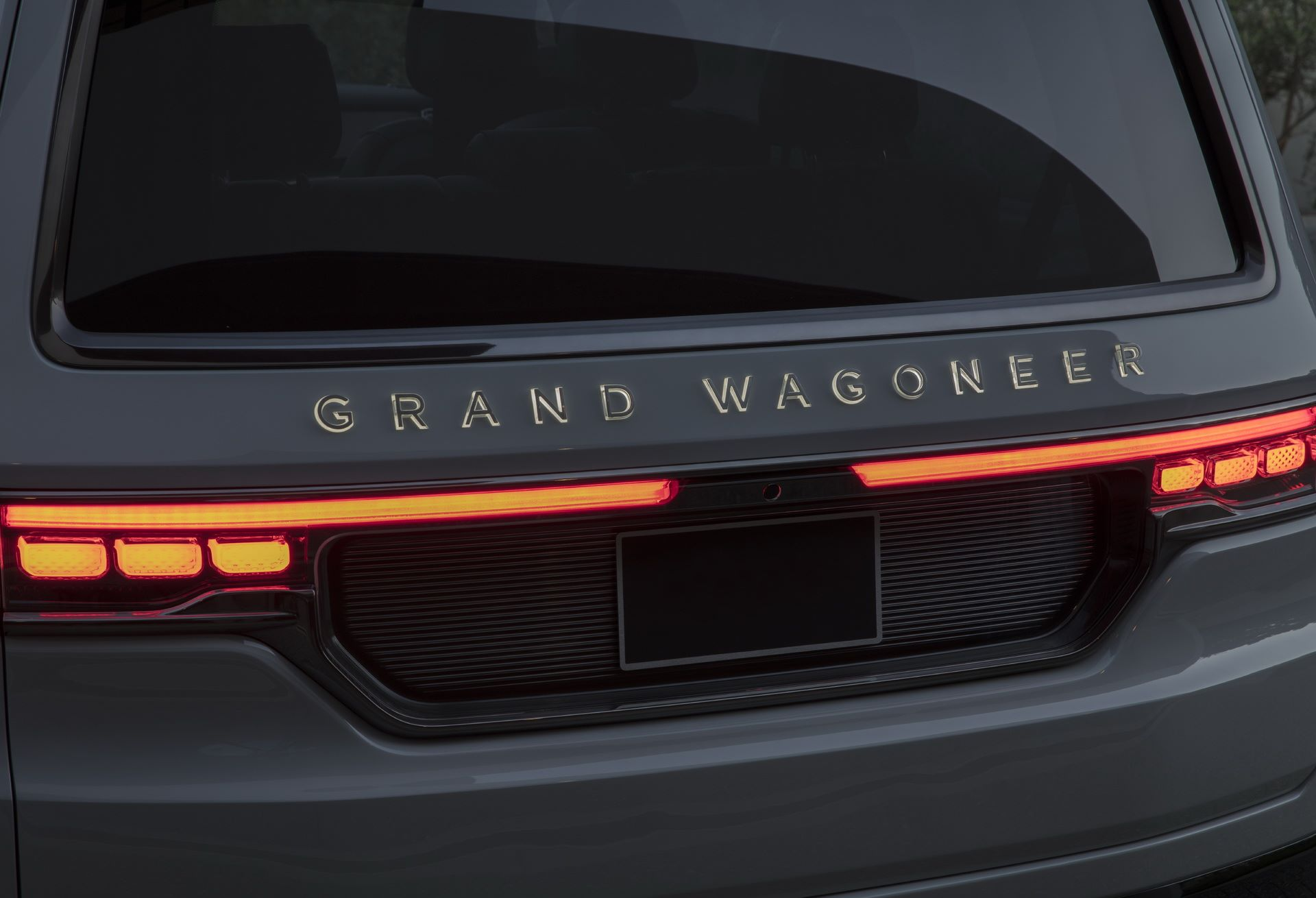 Jeep-Grand-Wagoneer-Concept-37