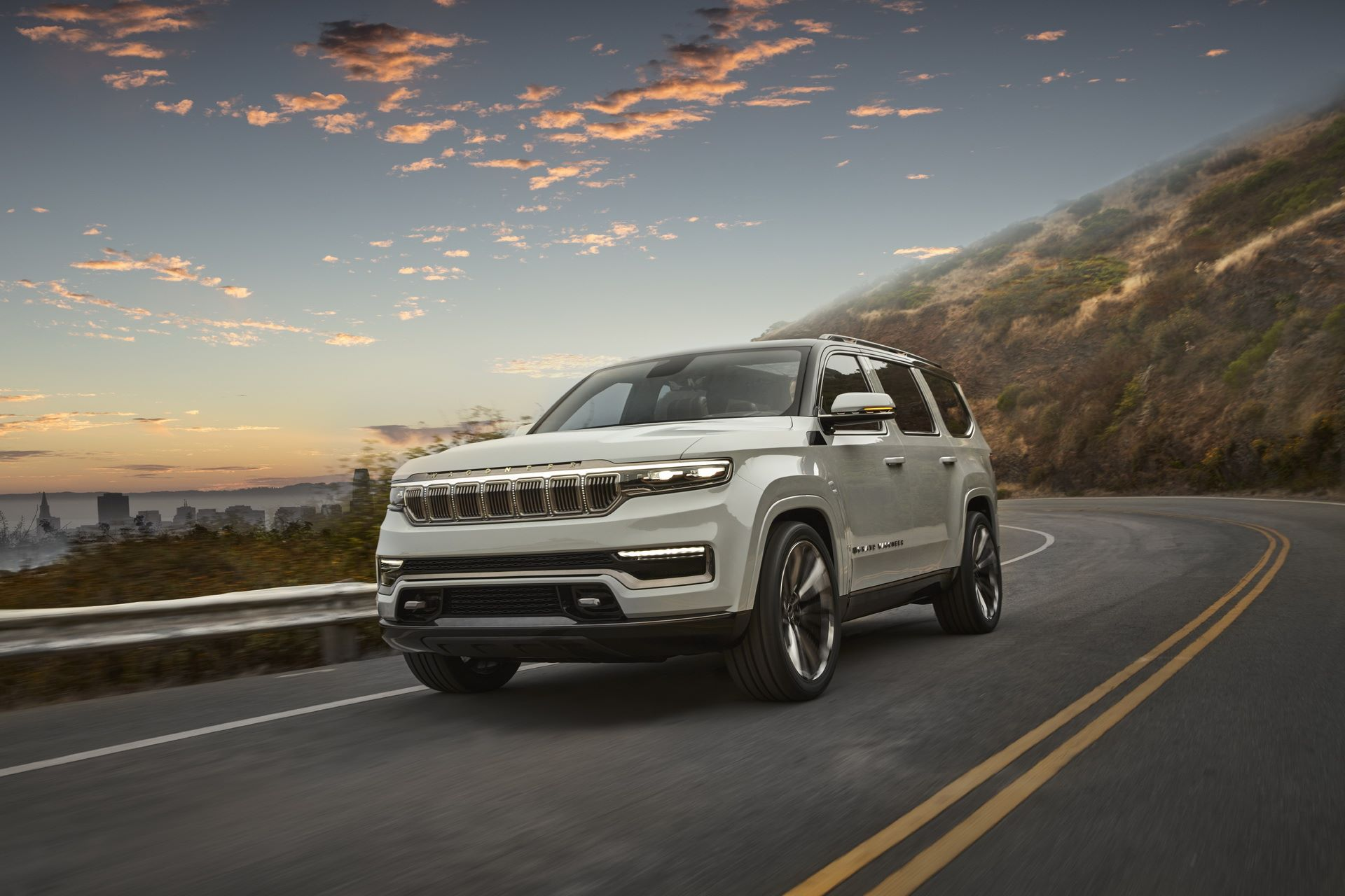 Jeep-Grand-Wagoneer-Concept-5