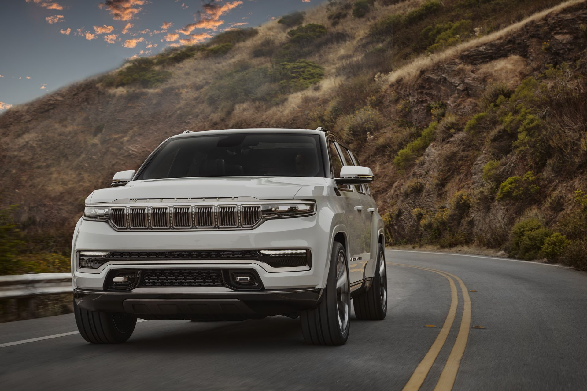 Jeep-Grand-Wagoneer-Concept-7