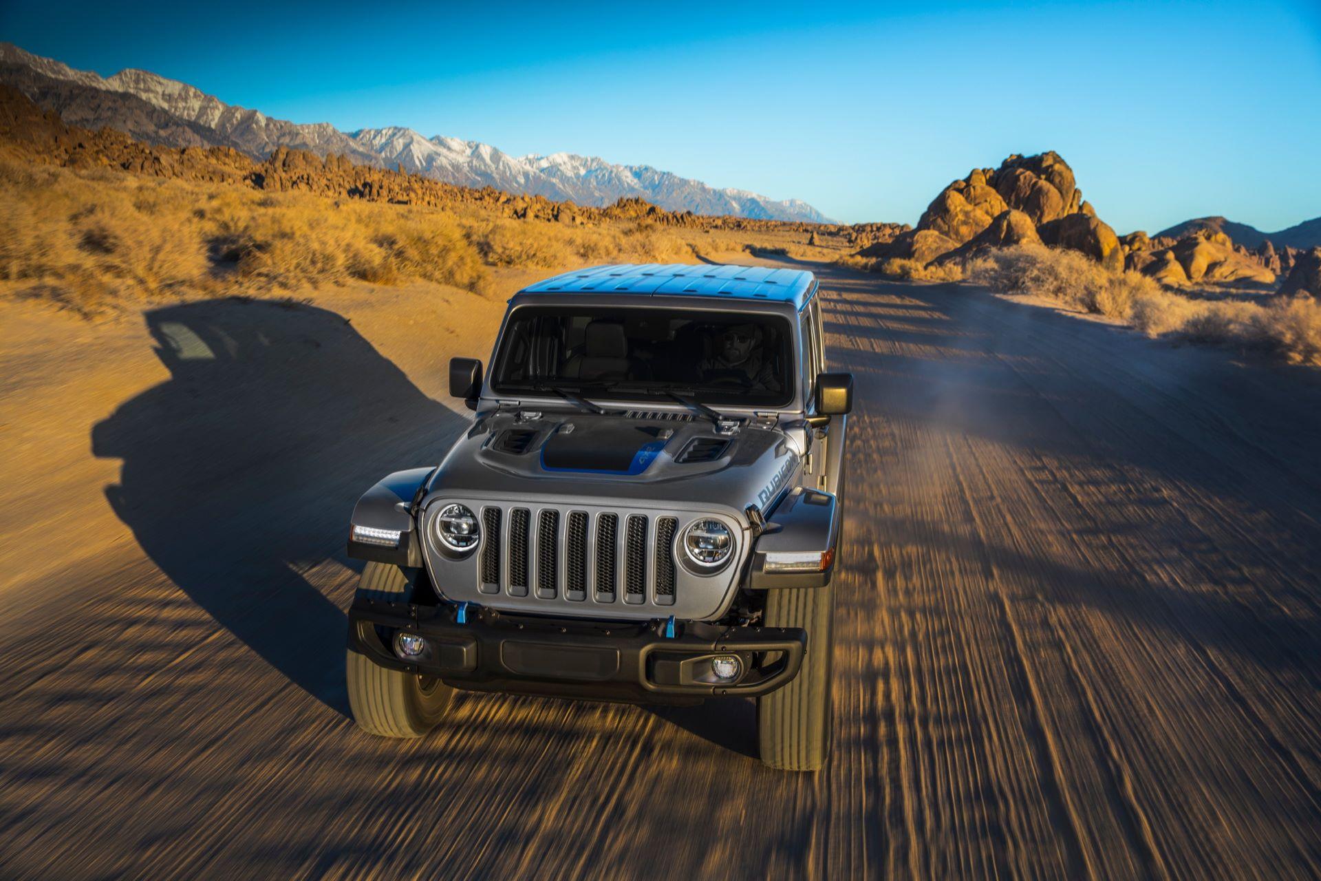 Jeep-Wrangler-4xe-10