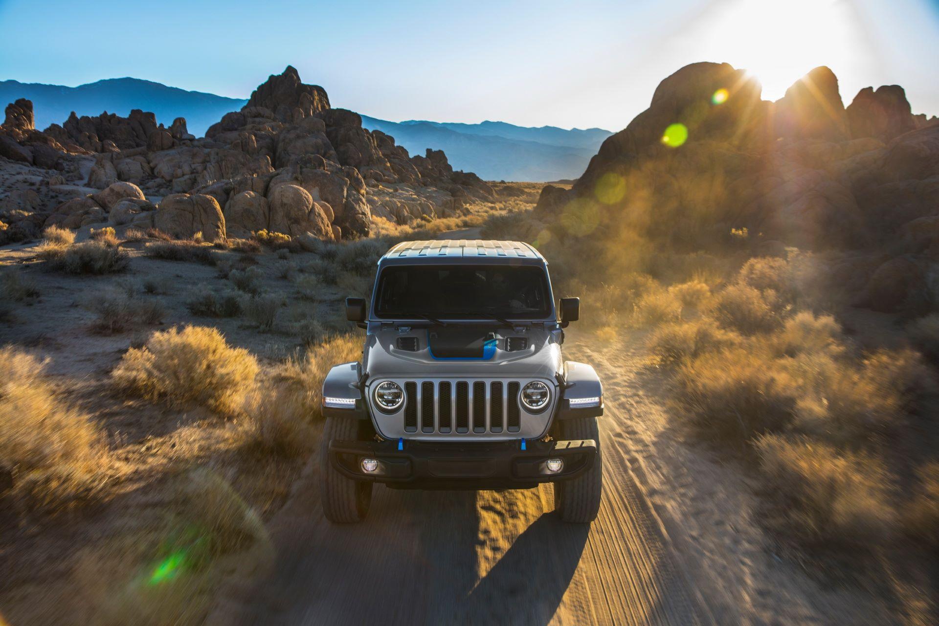 Jeep-Wrangler-4xe-11