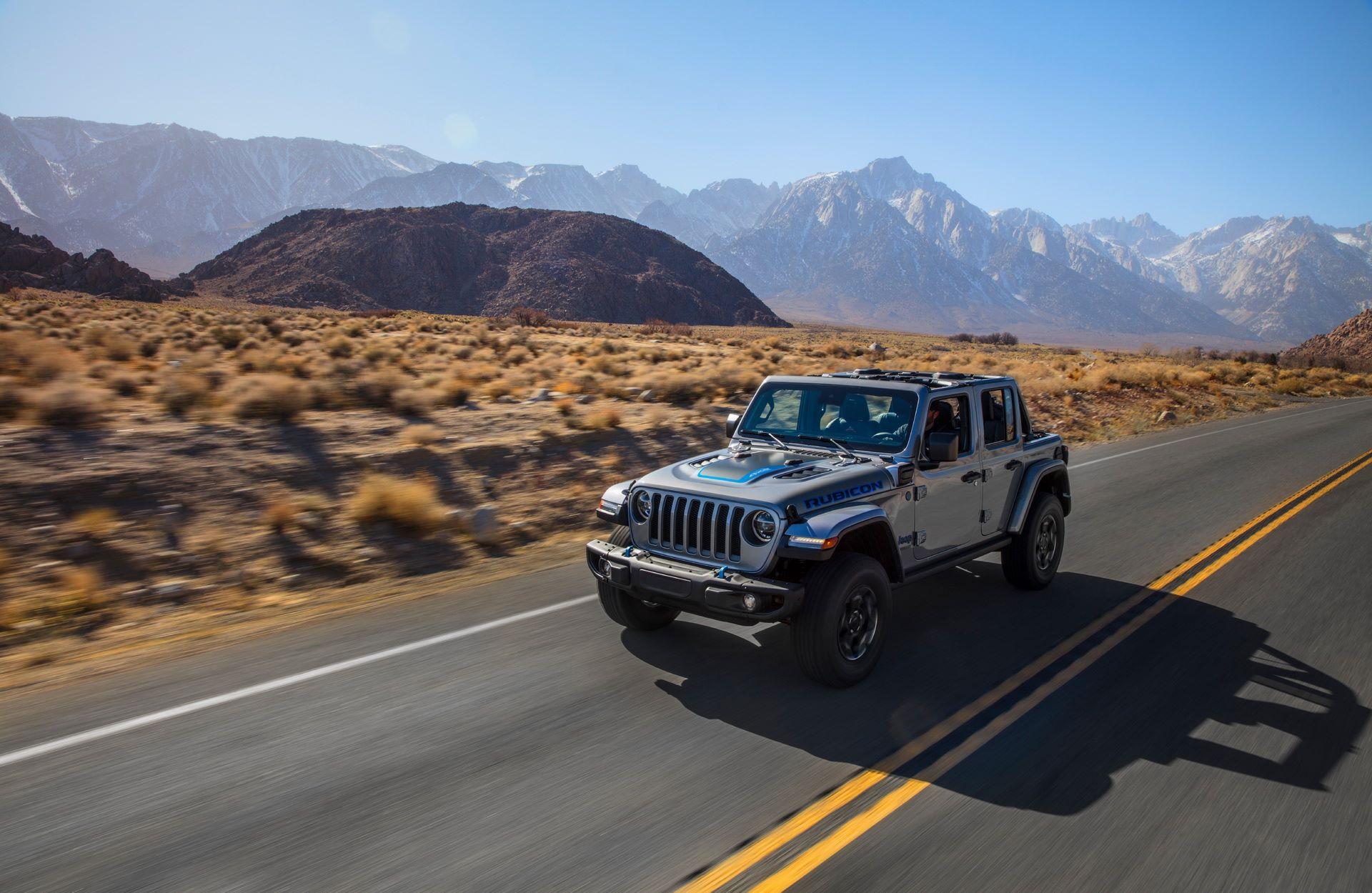 Jeep-Wrangler-4xe-12