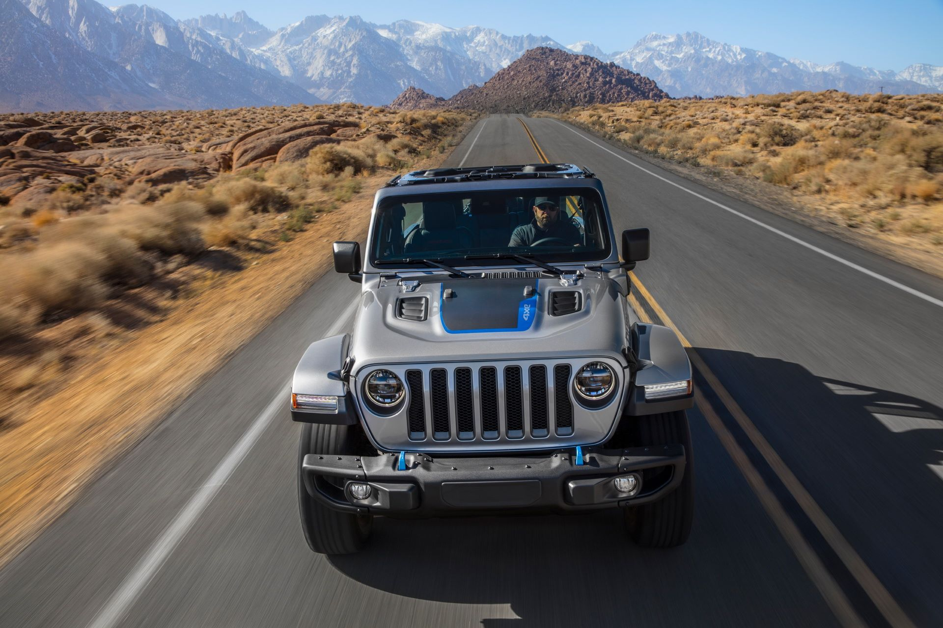 Jeep-Wrangler-4xe-13