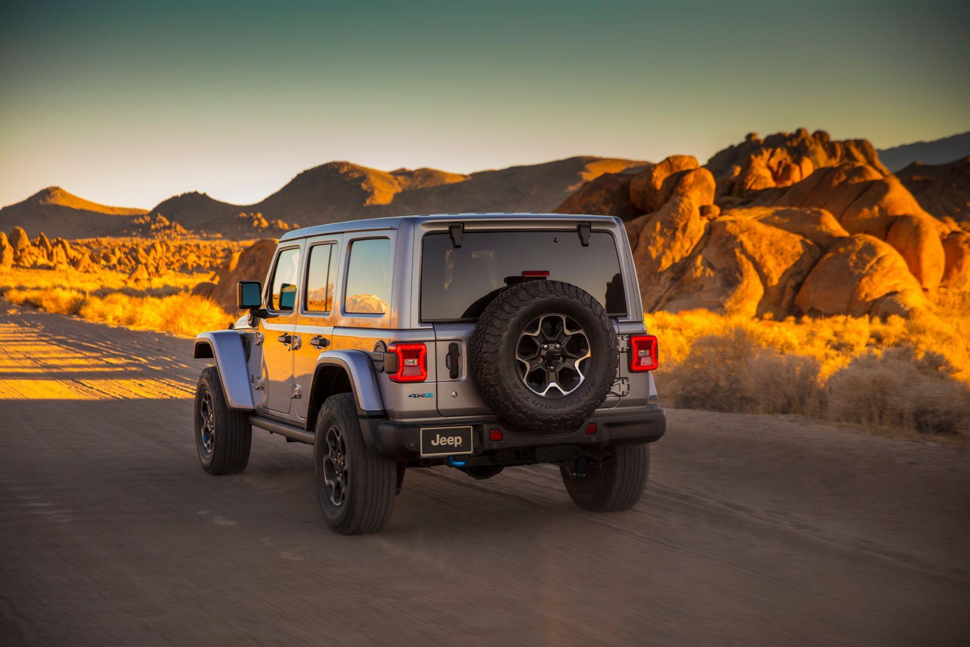 Jeep-Wrangler-4xe-14