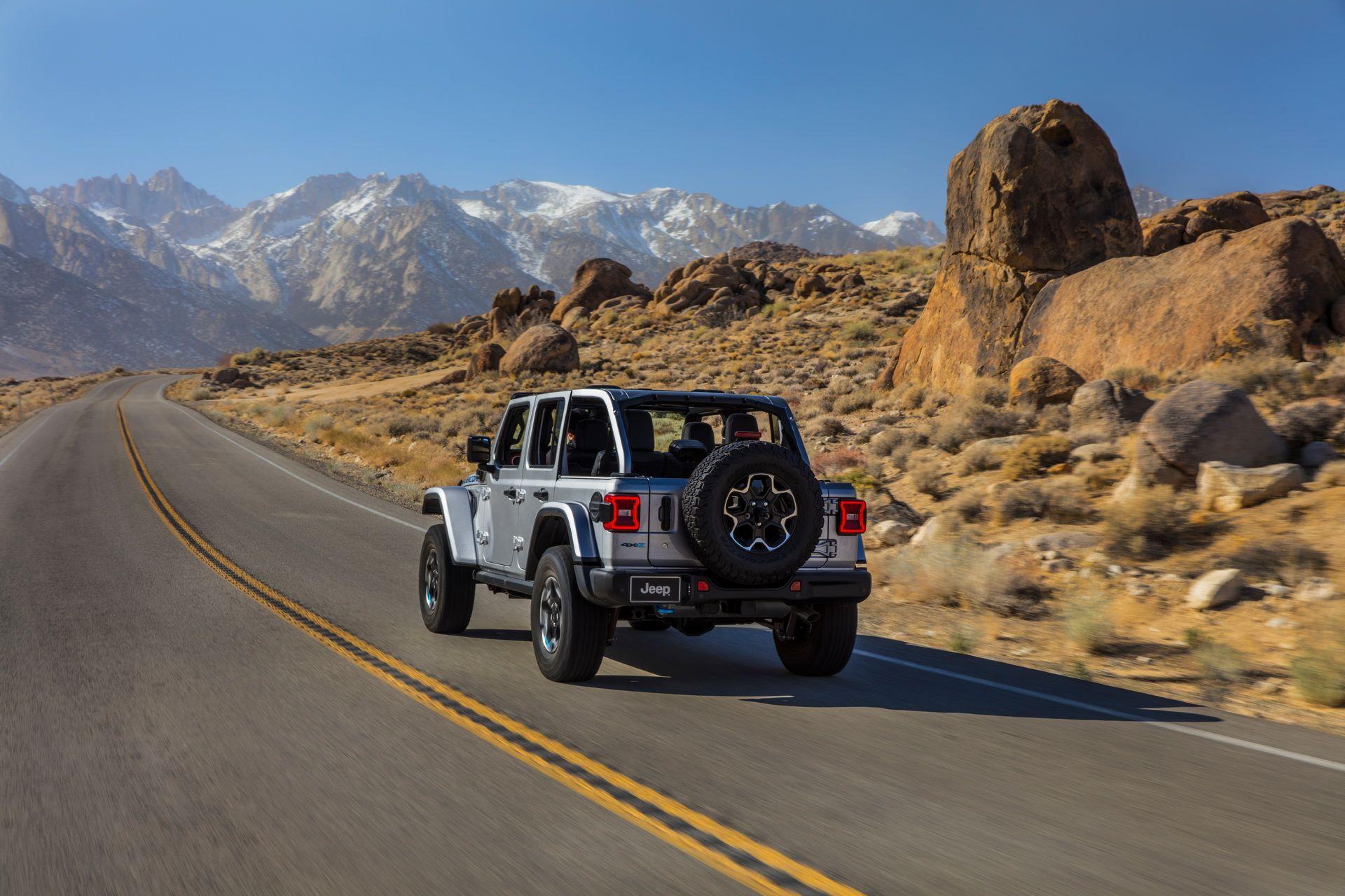 Jeep-Wrangler-4xe-15