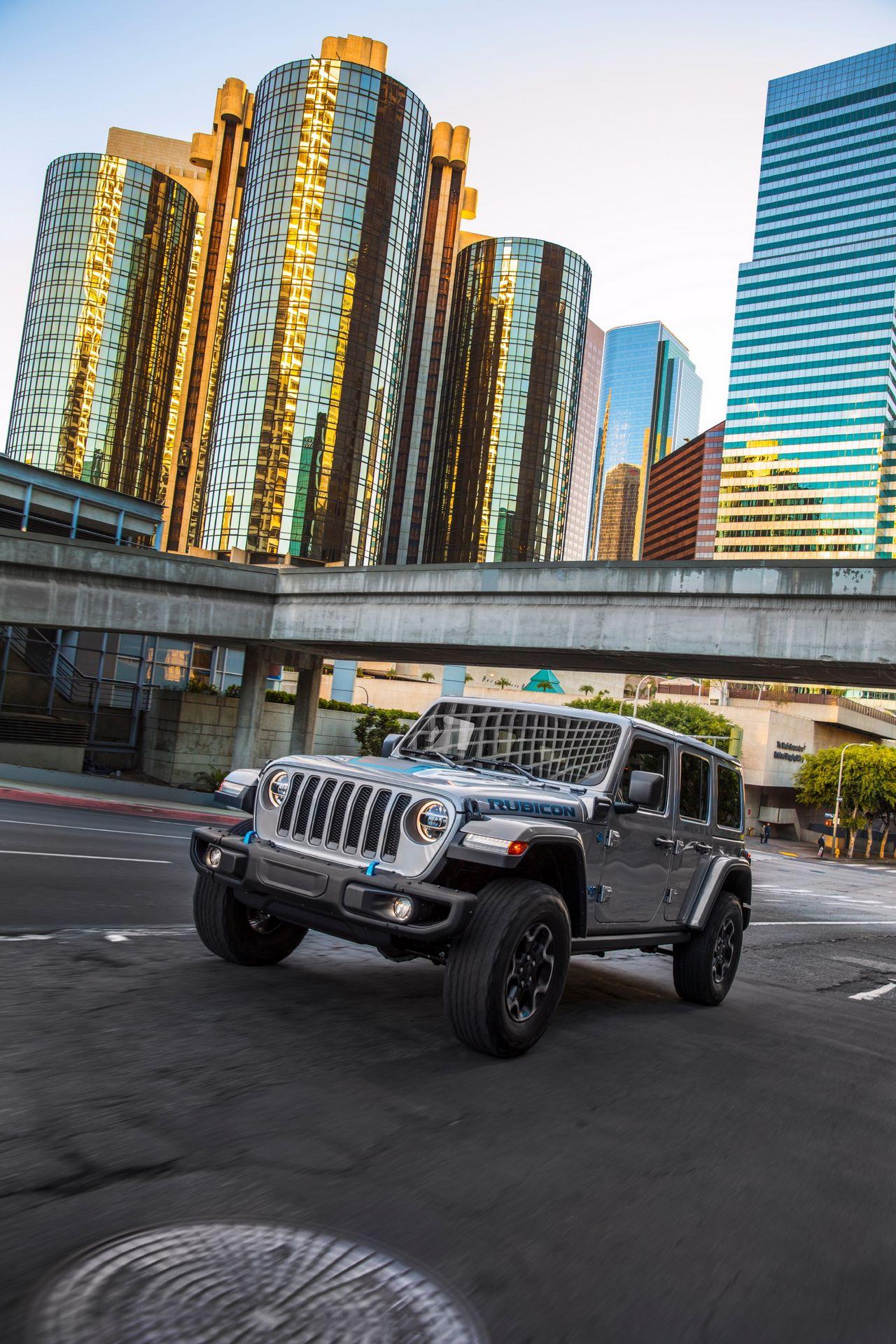 Jeep-Wrangler-4xe-18