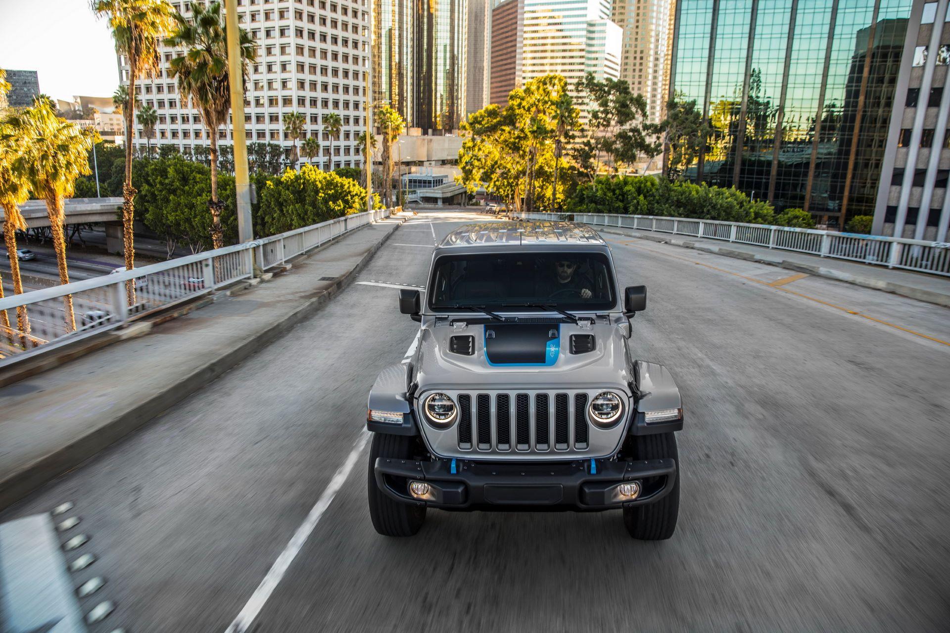 Jeep-Wrangler-4xe-23