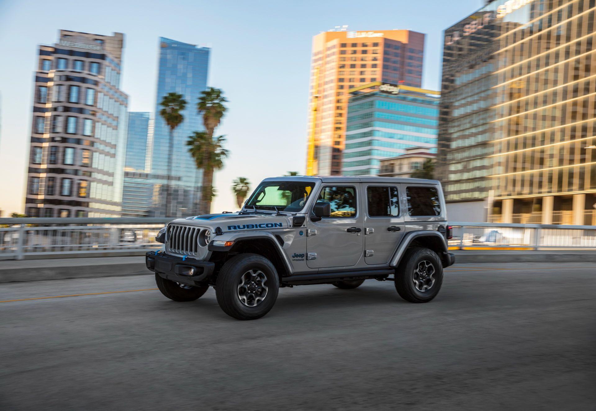 Jeep-Wrangler-4xe-24