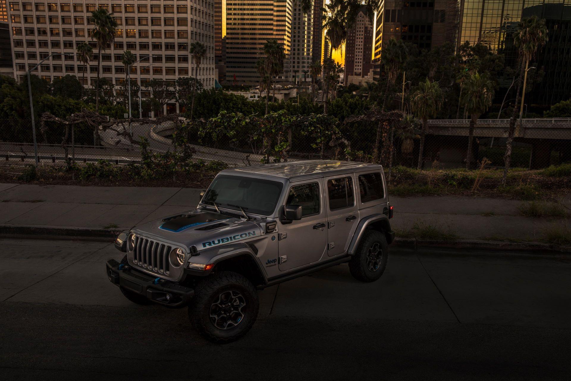 Jeep-Wrangler-4xe-26