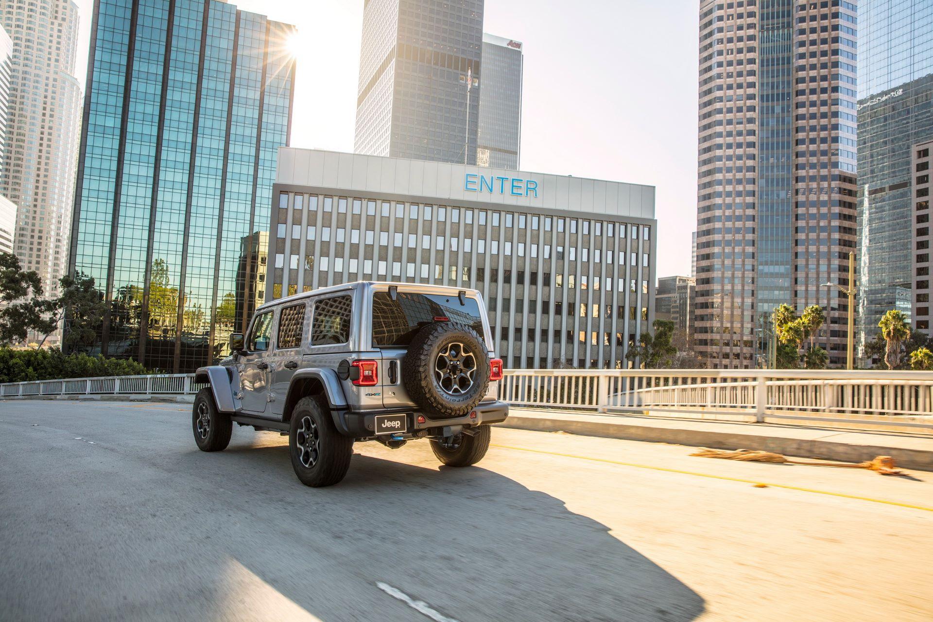 Jeep-Wrangler-4xe-27