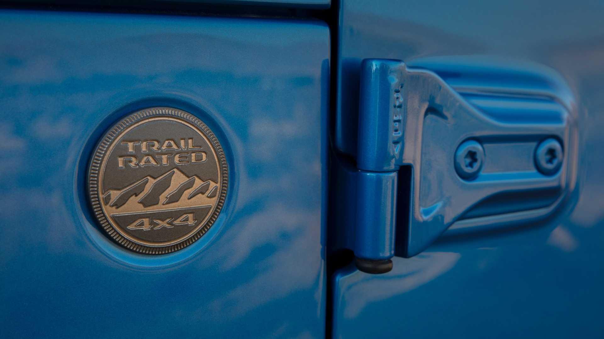 2021-jeep-wrangler-rubicon-392-badge