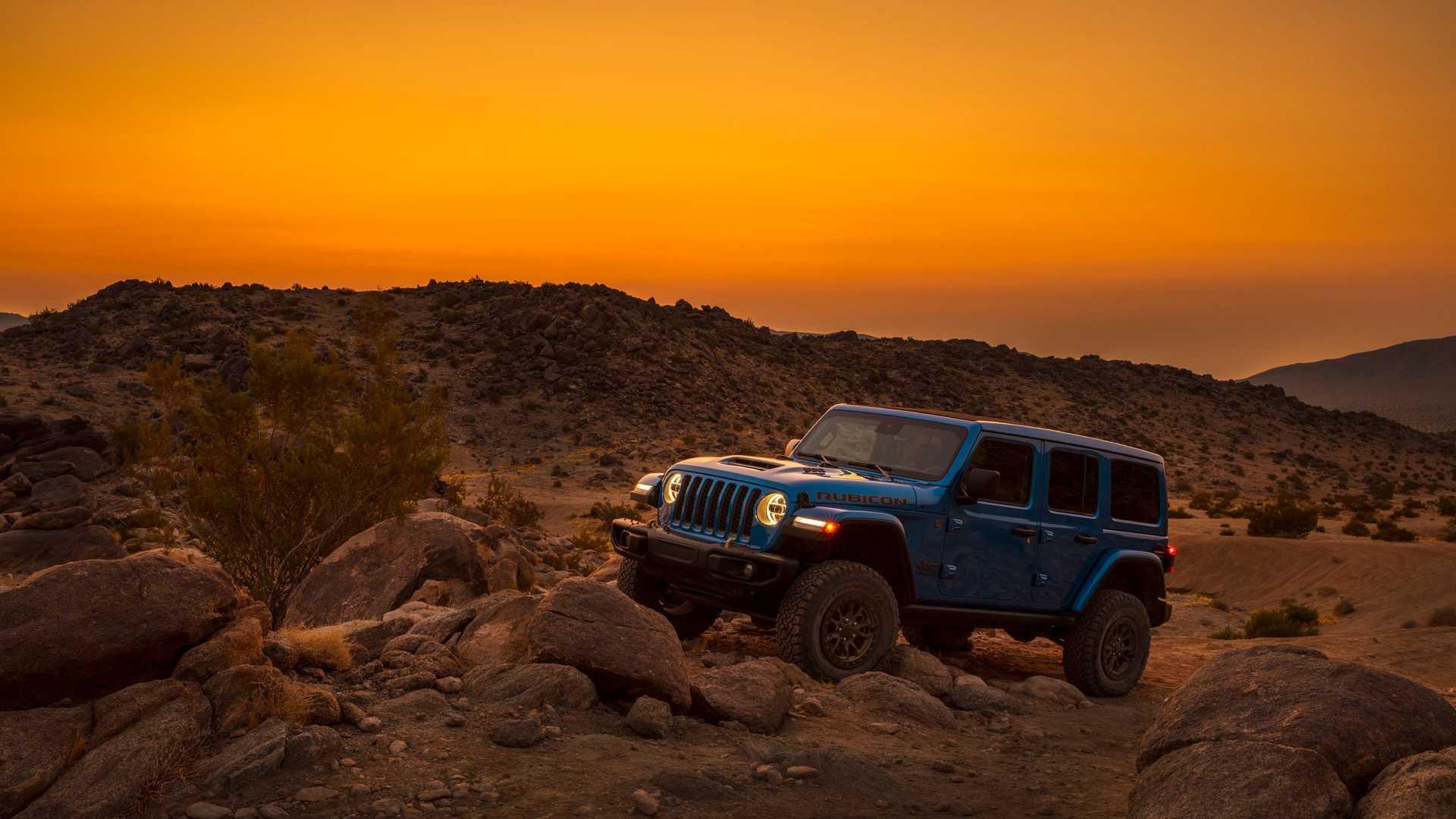 2021-jeep-wrangler-rubicon-392-front-view-2