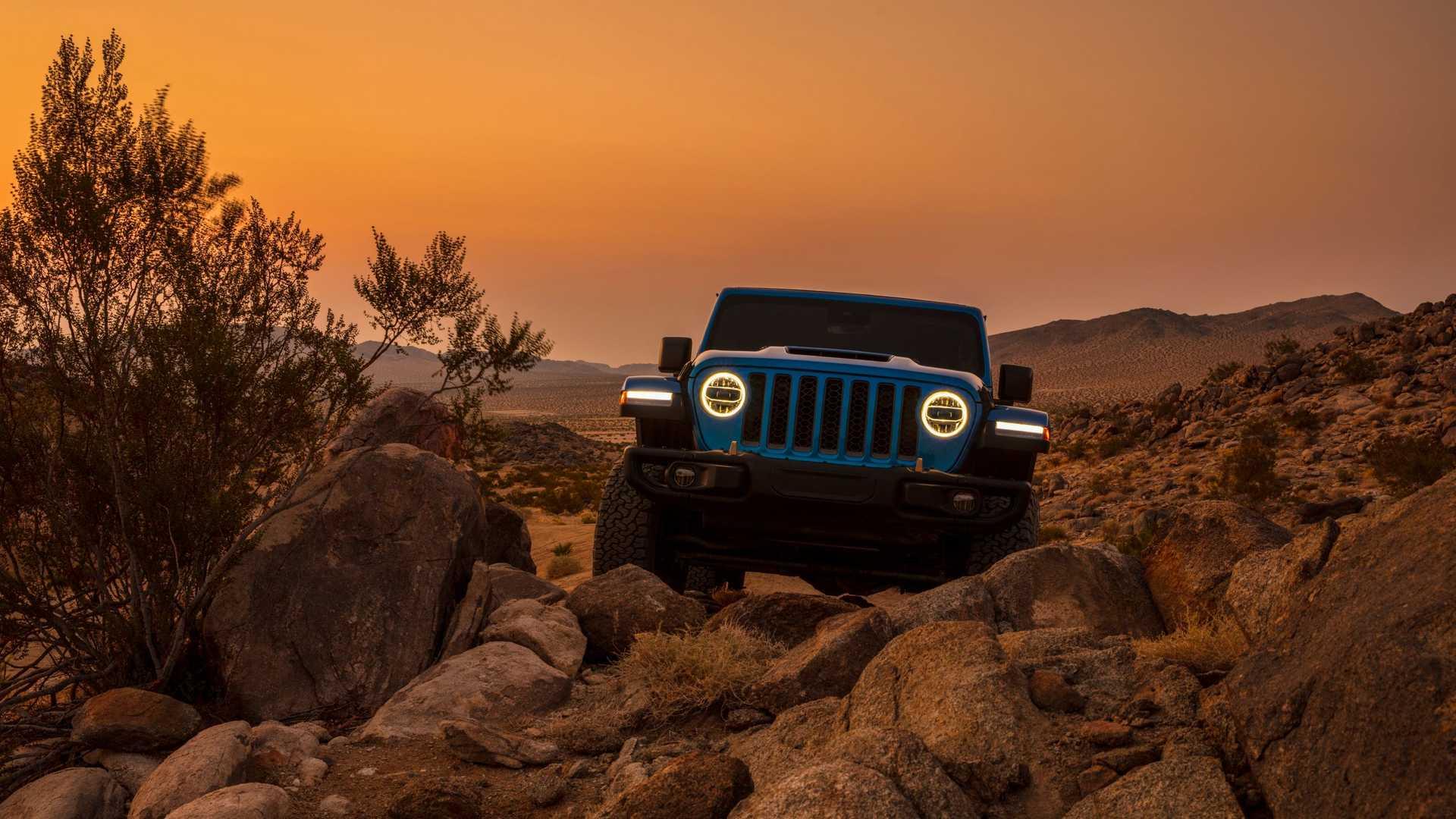2021-jeep-wrangler-rubicon-392-front-view-7