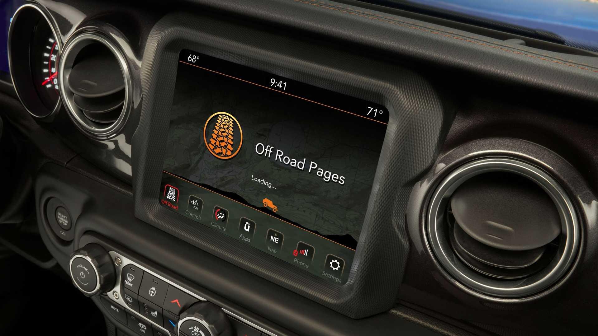 2021-jeep-wrangler-rubicon-392-interior-touchscreen