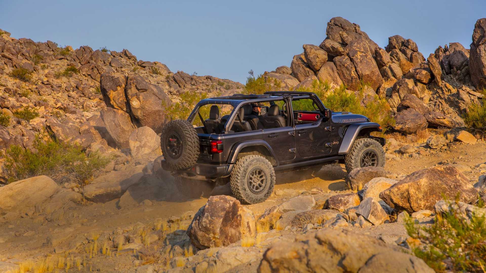 2021-jeep-wrangler-rubicon-392-side-view-11