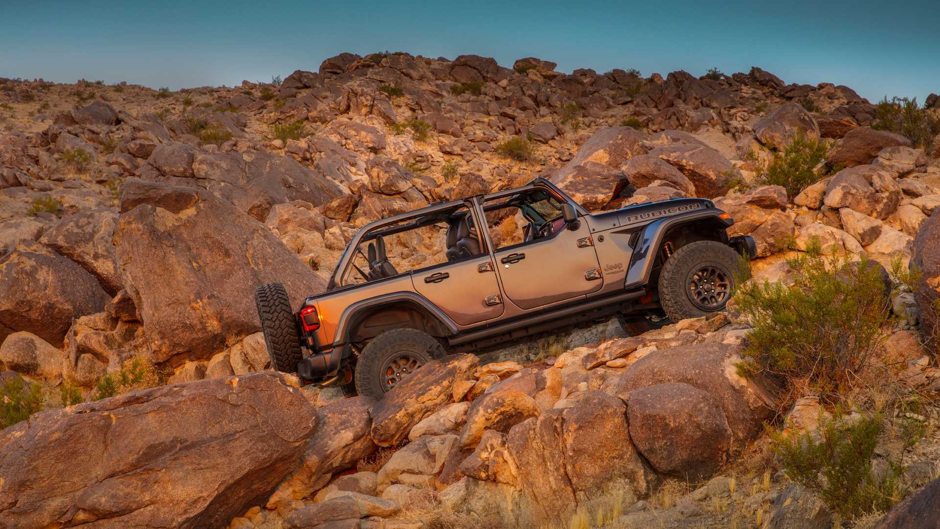 2021-jeep-wrangler-rubicon-392-side-view-9