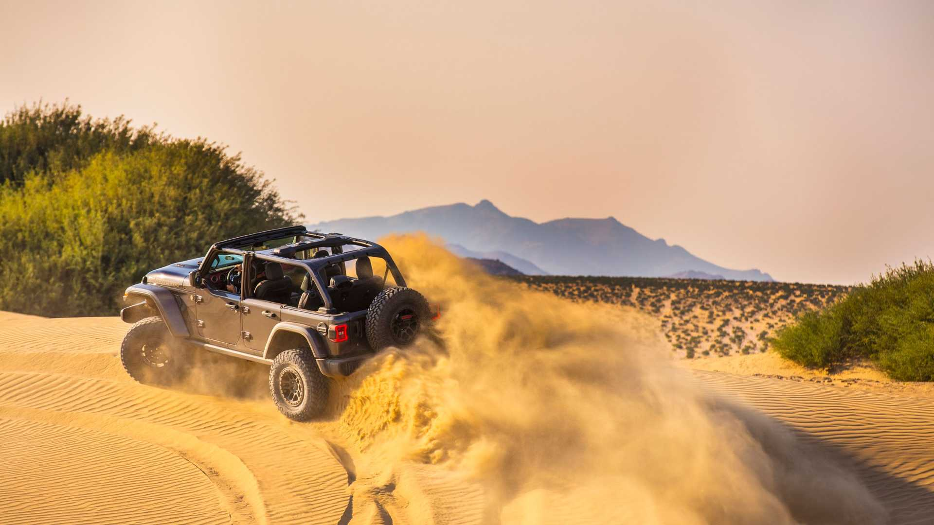 2021-jeep-wrangler-rubicon-392-side-view-in-desert-2
