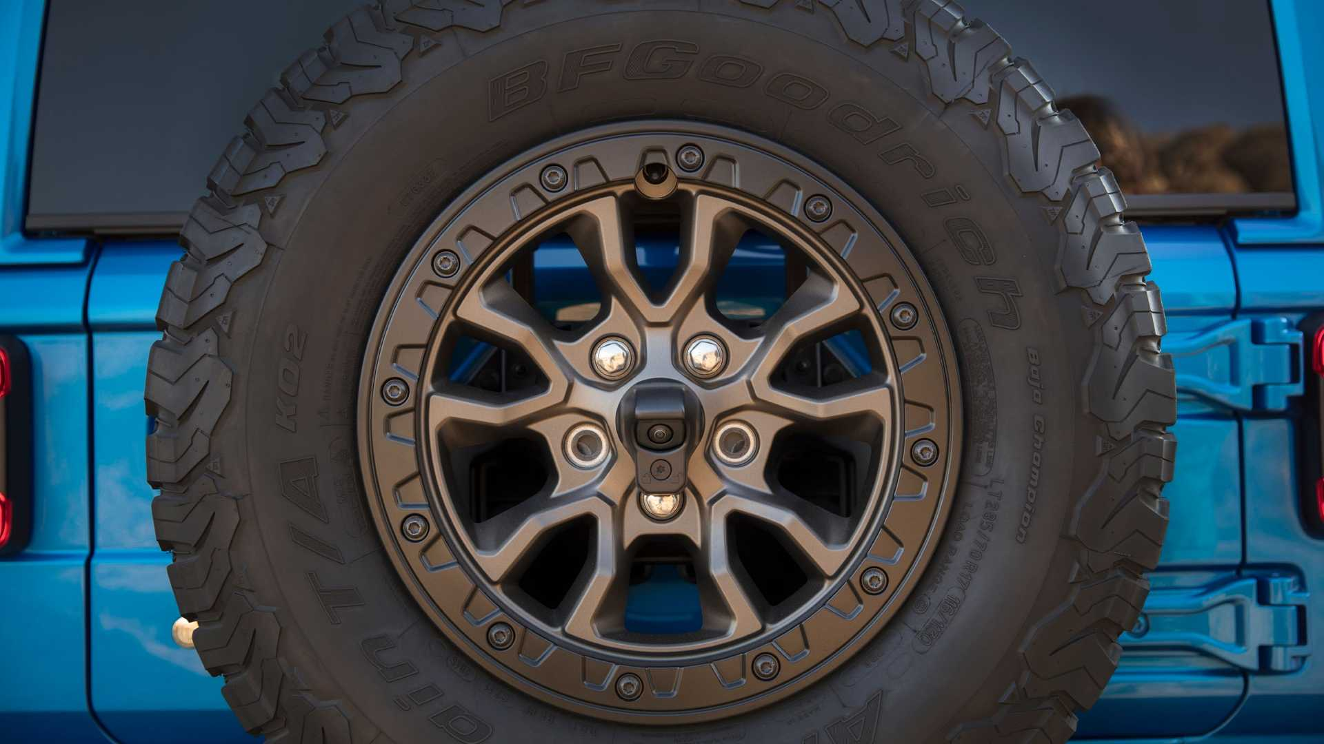 2021-jeep-wrangler-rubicon-392-wheel-1