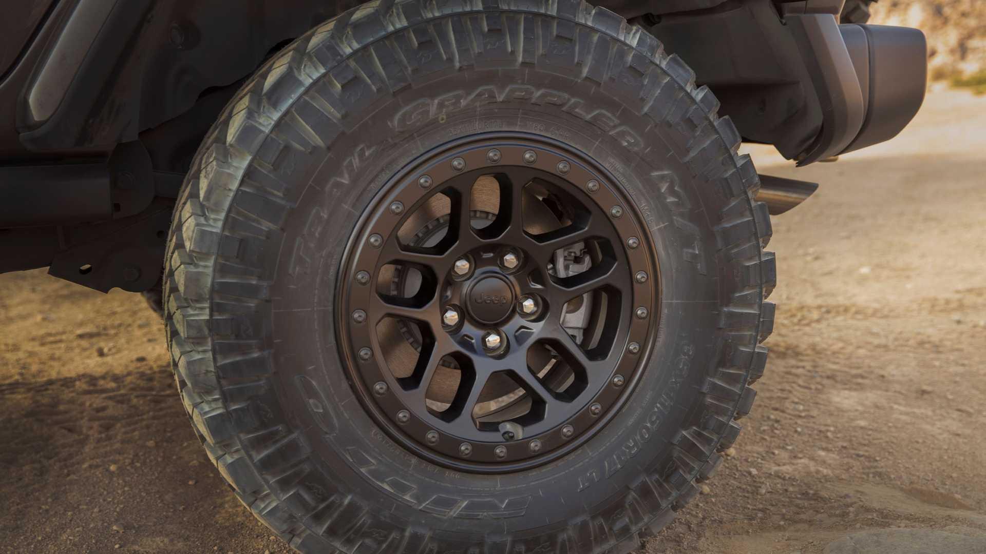 2021-jeep-wrangler-rubicon-392-wheel-2