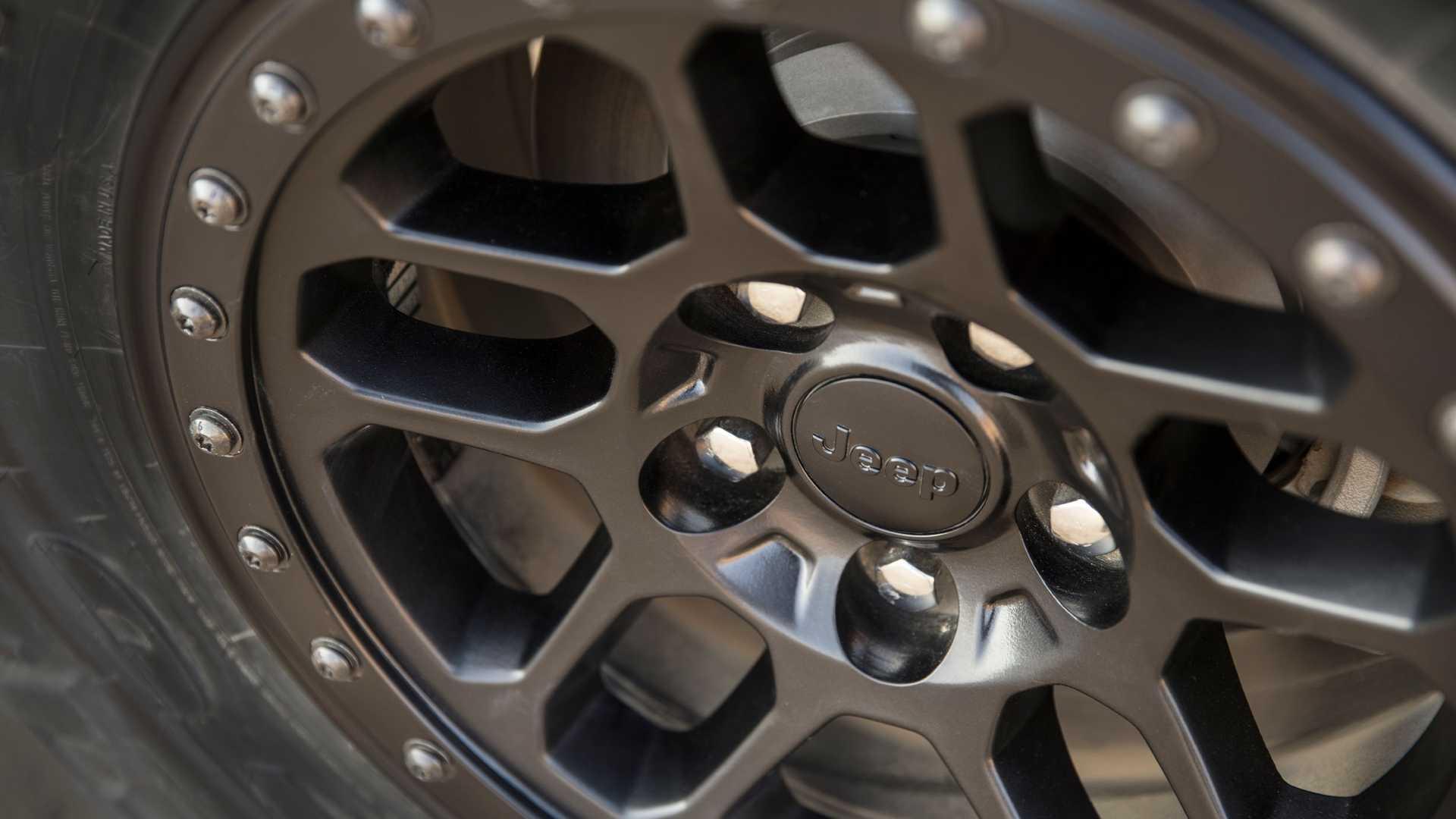 2021-jeep-wrangler-rubicon-392-wheel-3