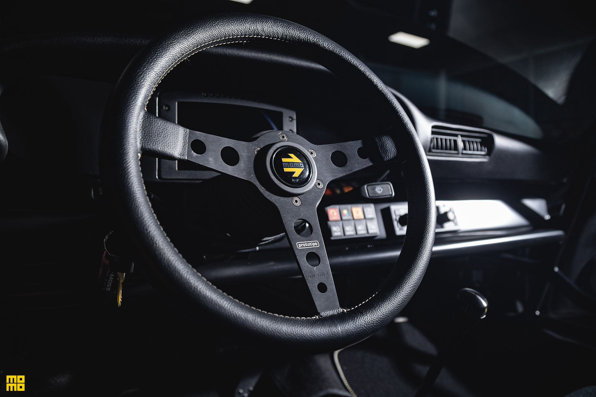 Kelly-Moss-Road-and-Race-Porsche-911-Willy-Safari-8