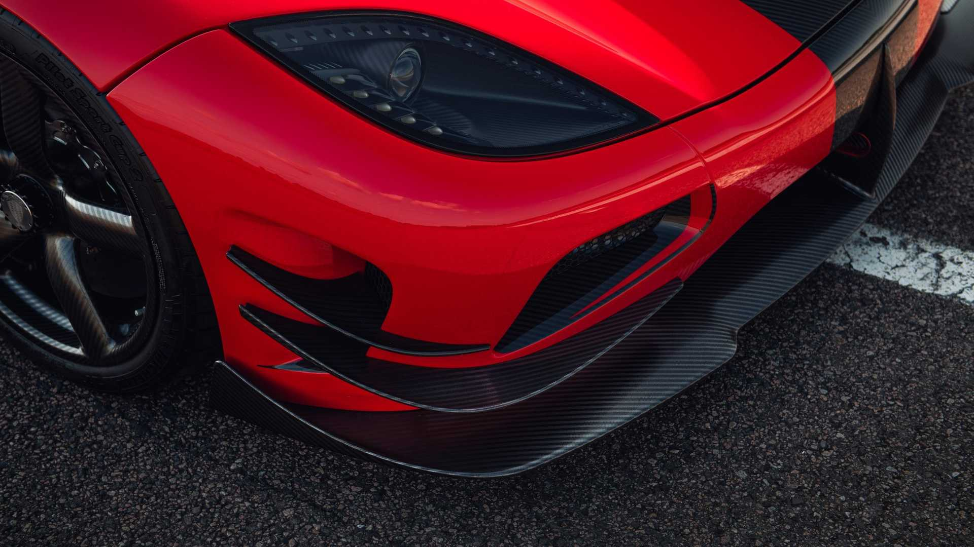 koenigsegg-agera-rs-refinement-front-winglets