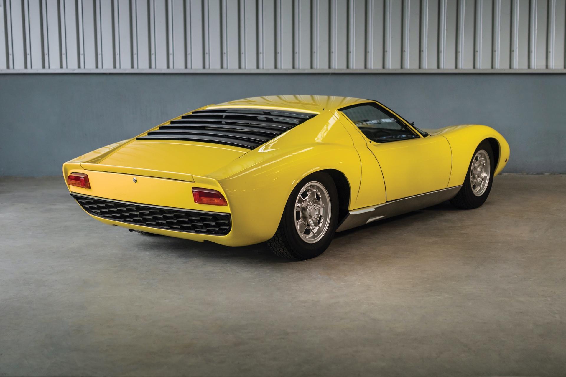 1968-Lamborghini-Miura-P400-by-Bertone_1