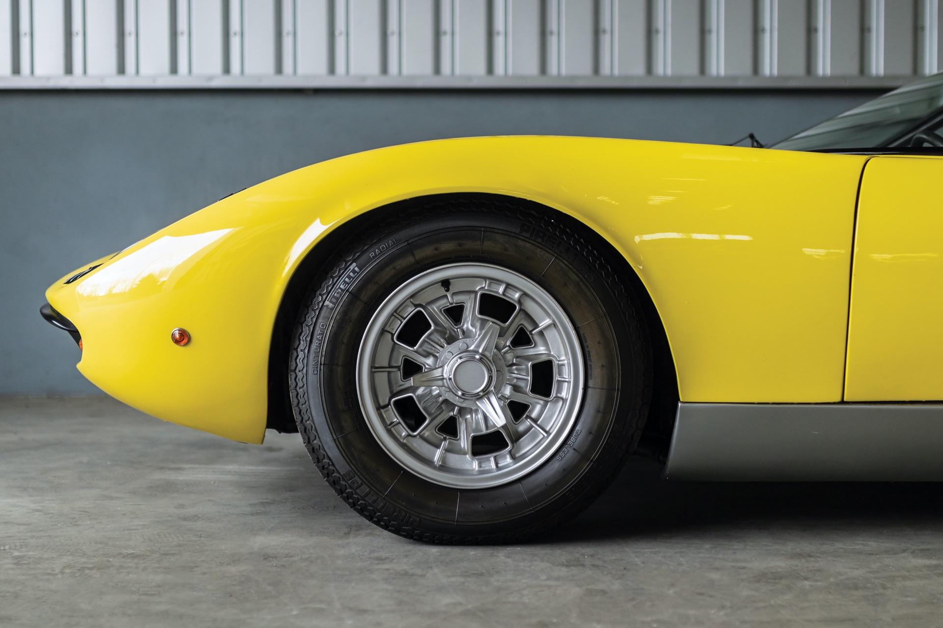 1968-Lamborghini-Miura-P400-by-Bertone_18