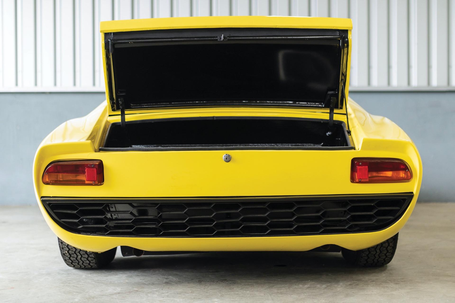1968-Lamborghini-Miura-P400-by-Bertone_22