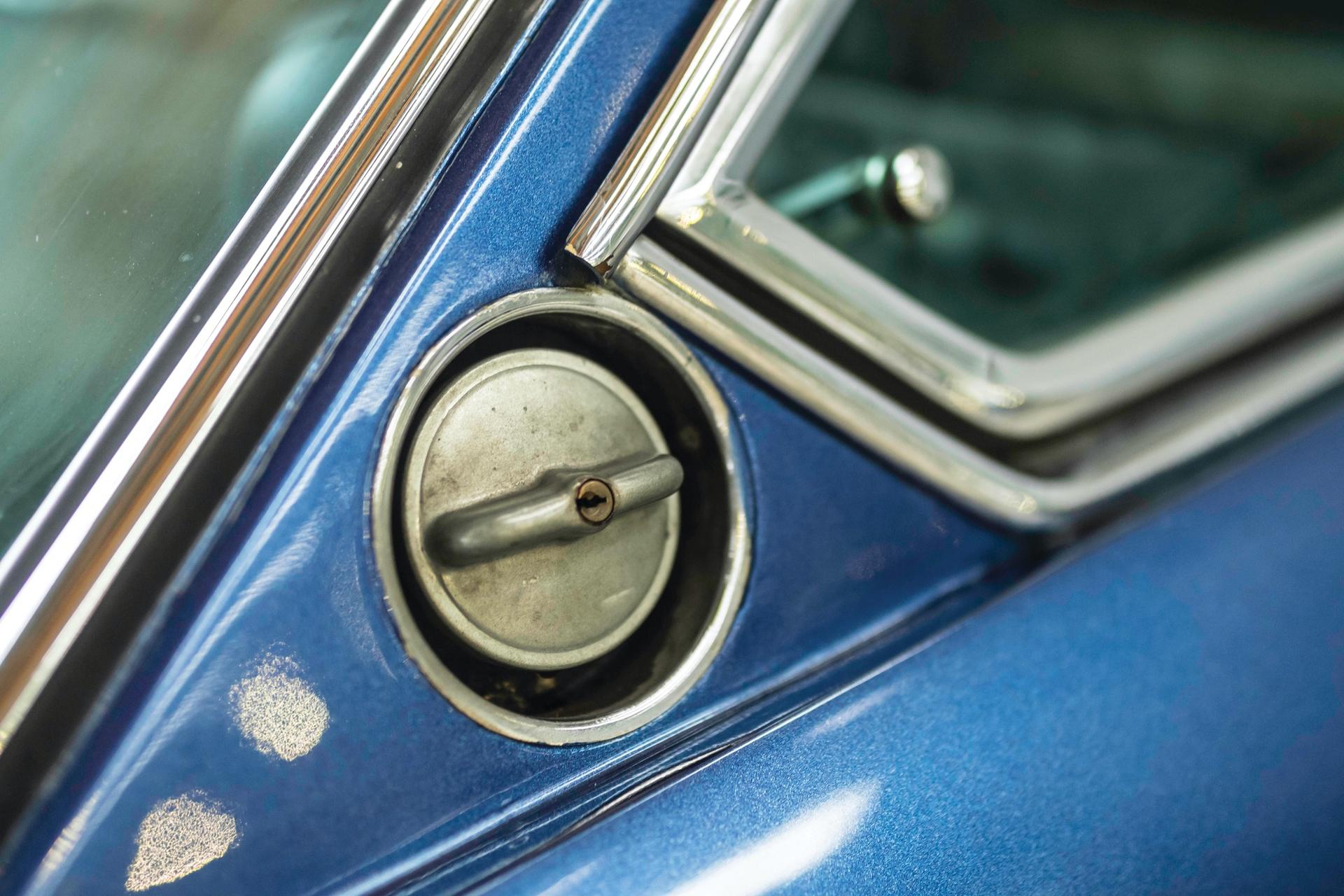1970-Lamborghini-Islero-400GTS-_22