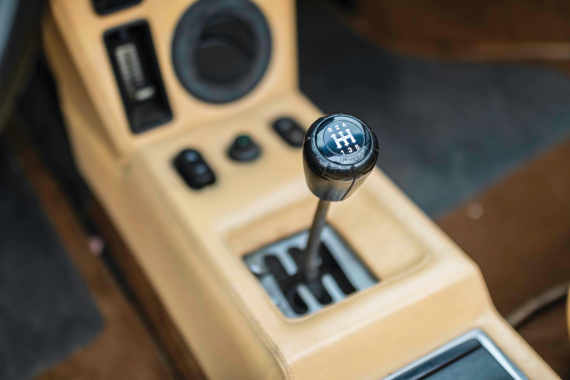 1986-Lamborghini-Jalpa-_10