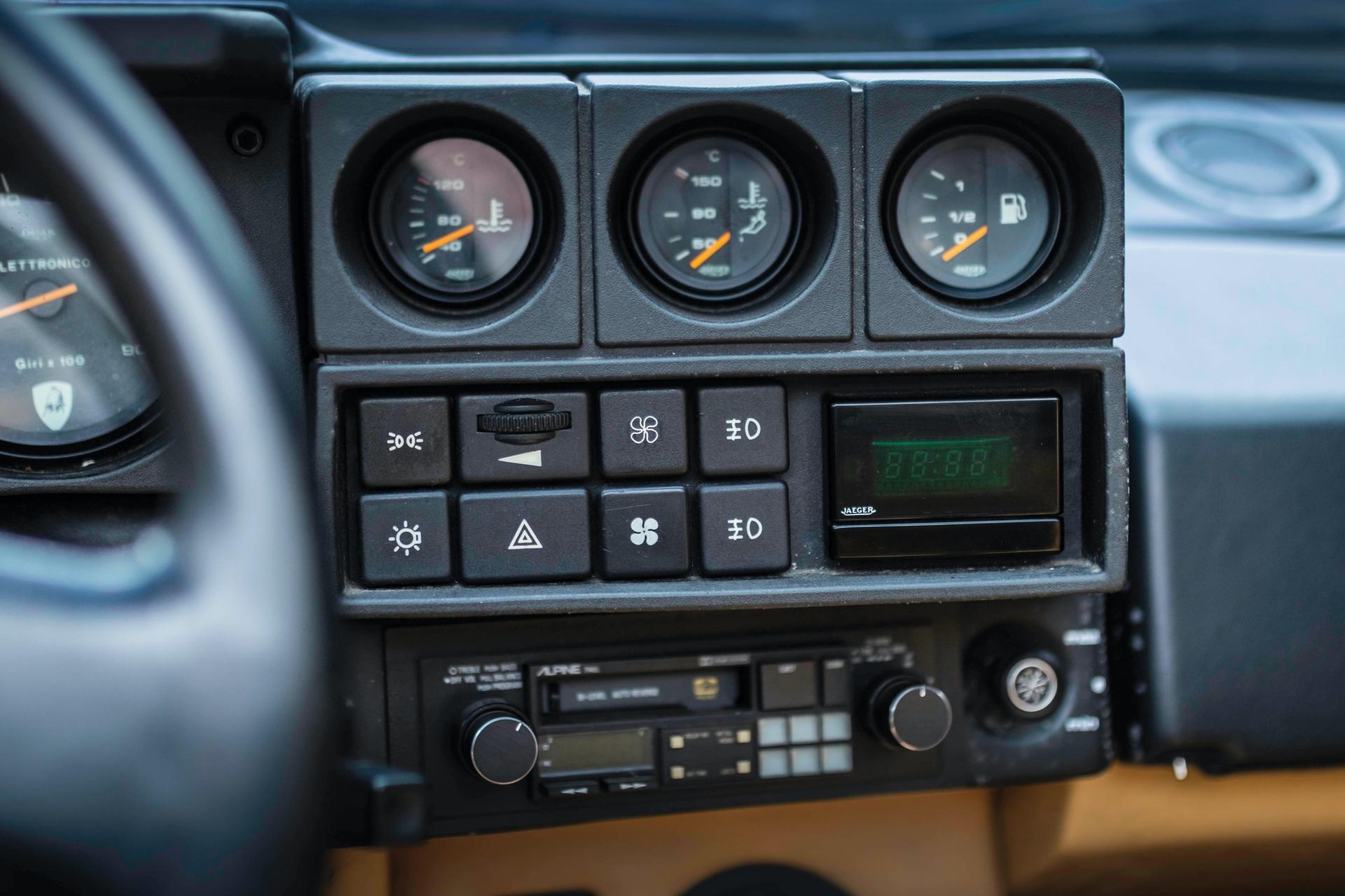 1986-Lamborghini-Jalpa-_11