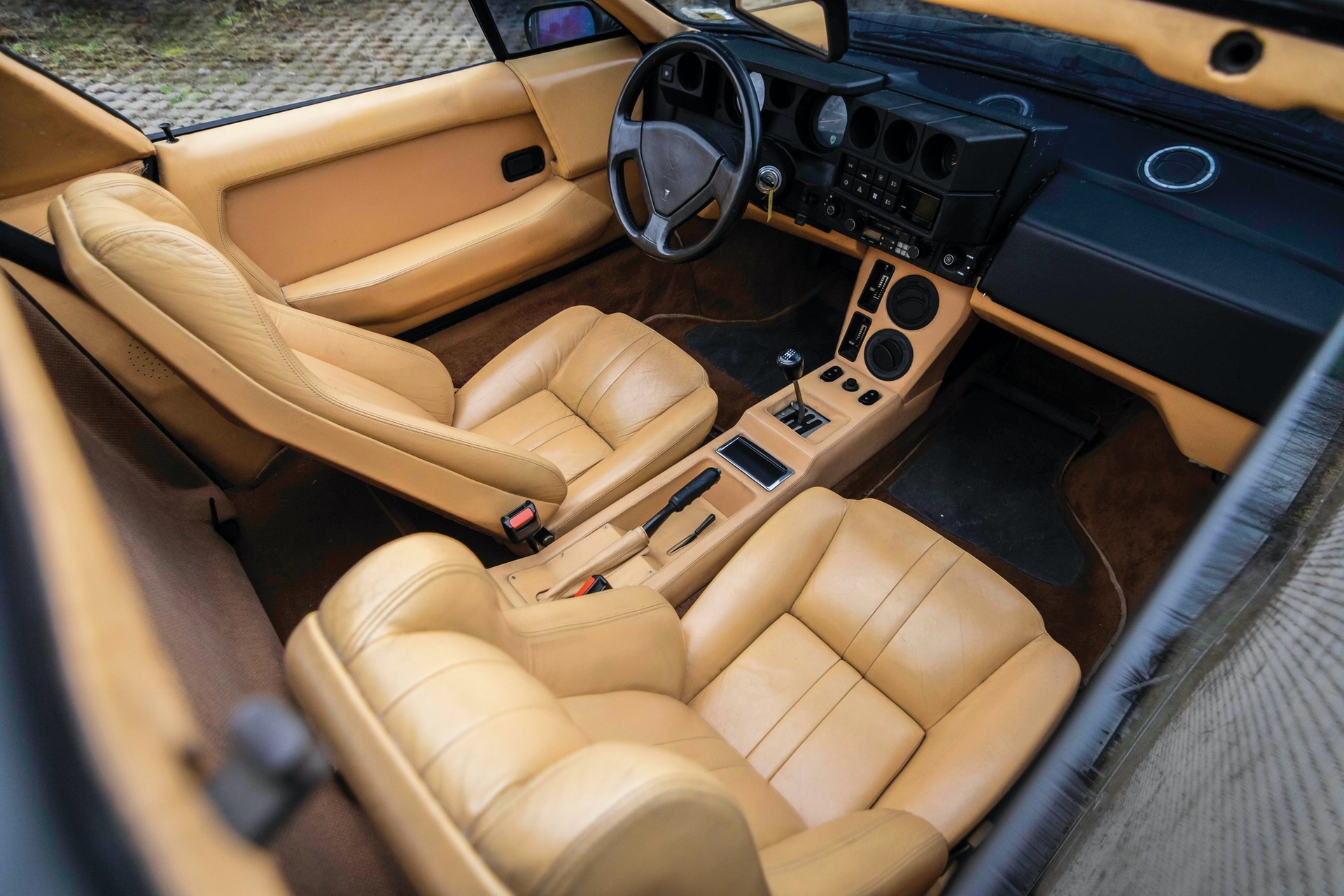 1986-Lamborghini-Jalpa-_3