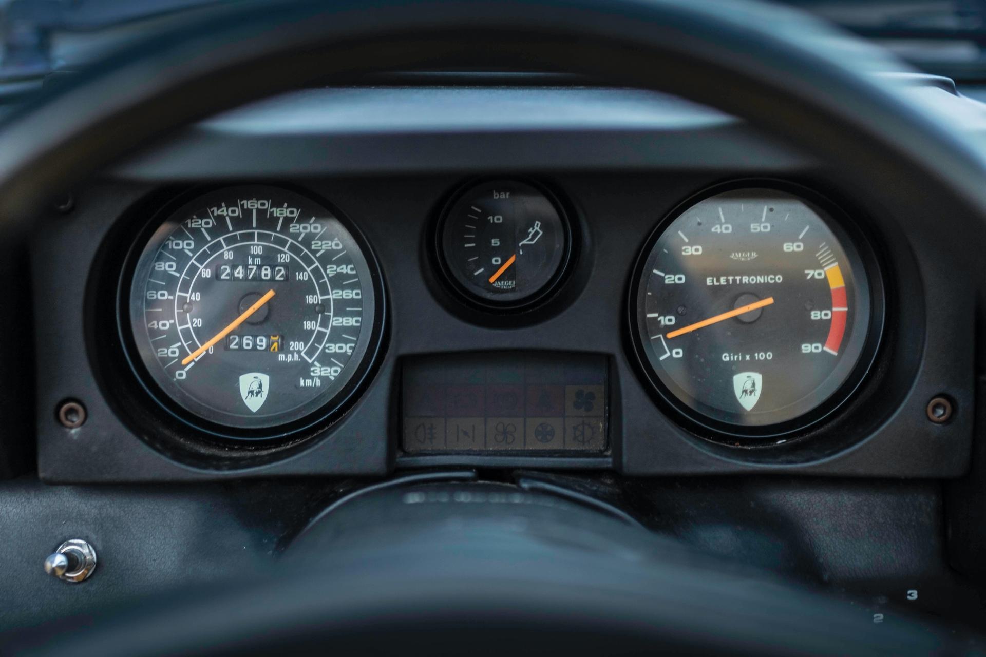 1986-Lamborghini-Jalpa-_9
