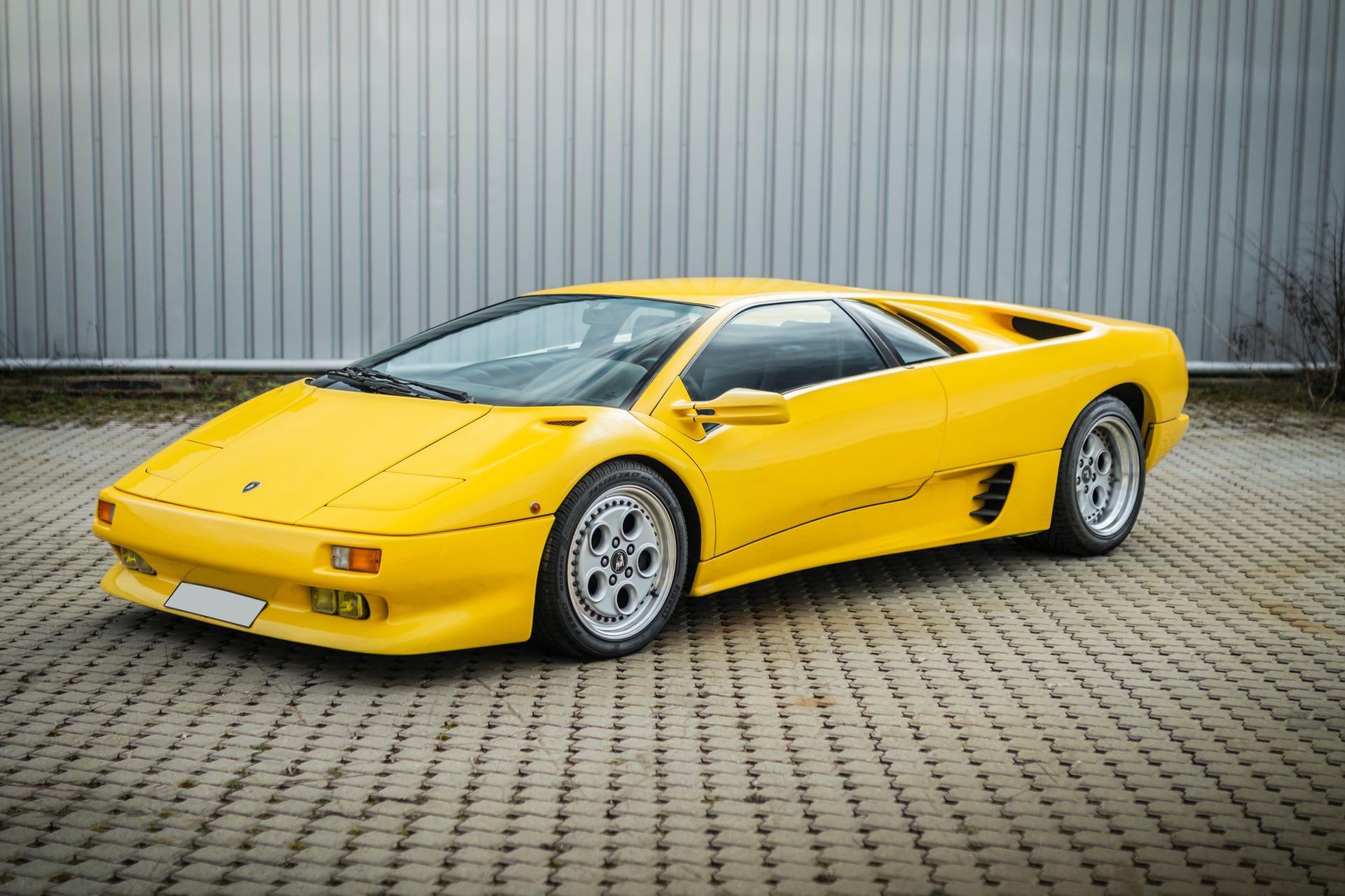 1991-Lamborghini-Diablo-_0