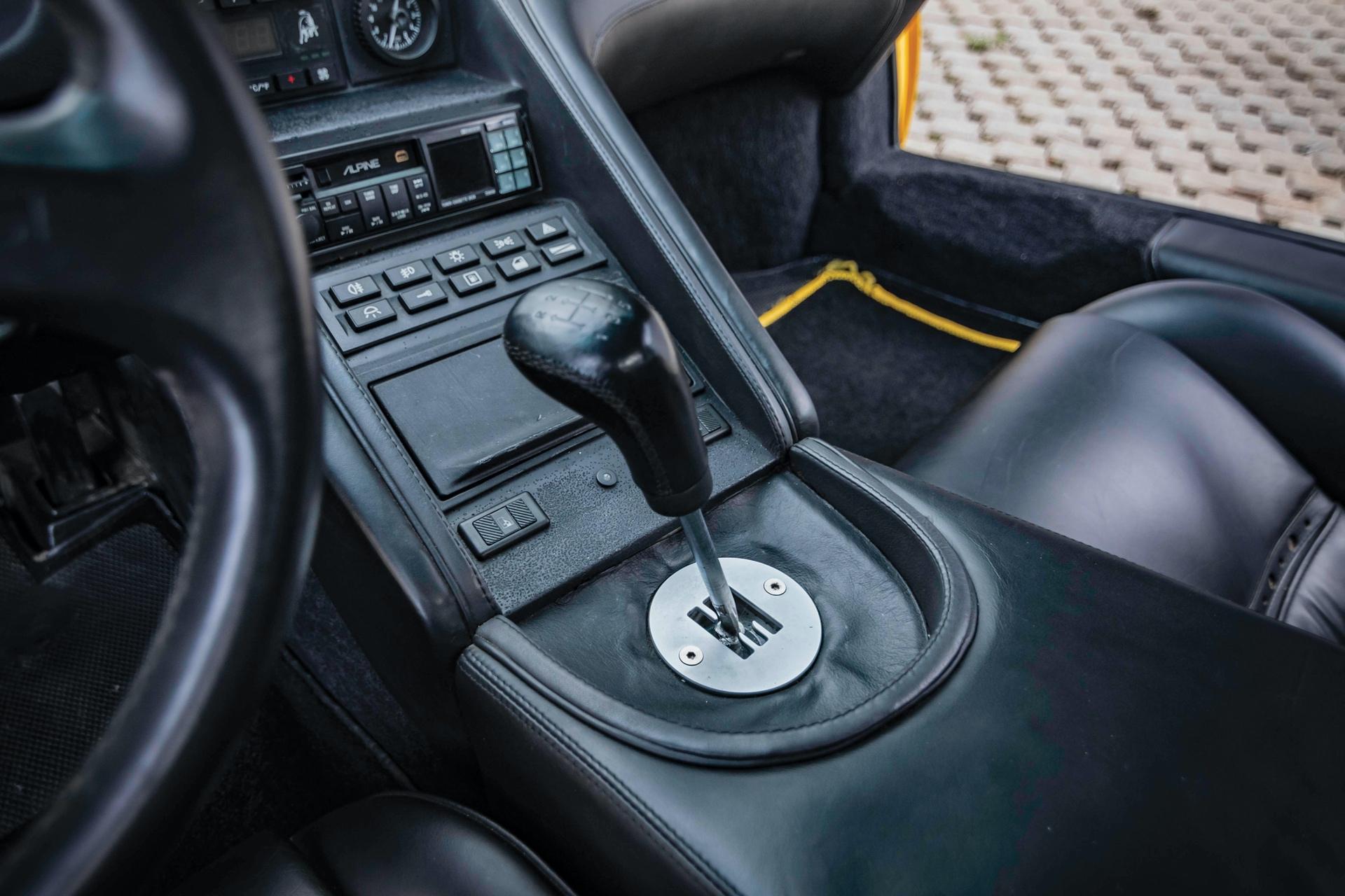 1991-Lamborghini-Diablo-_11