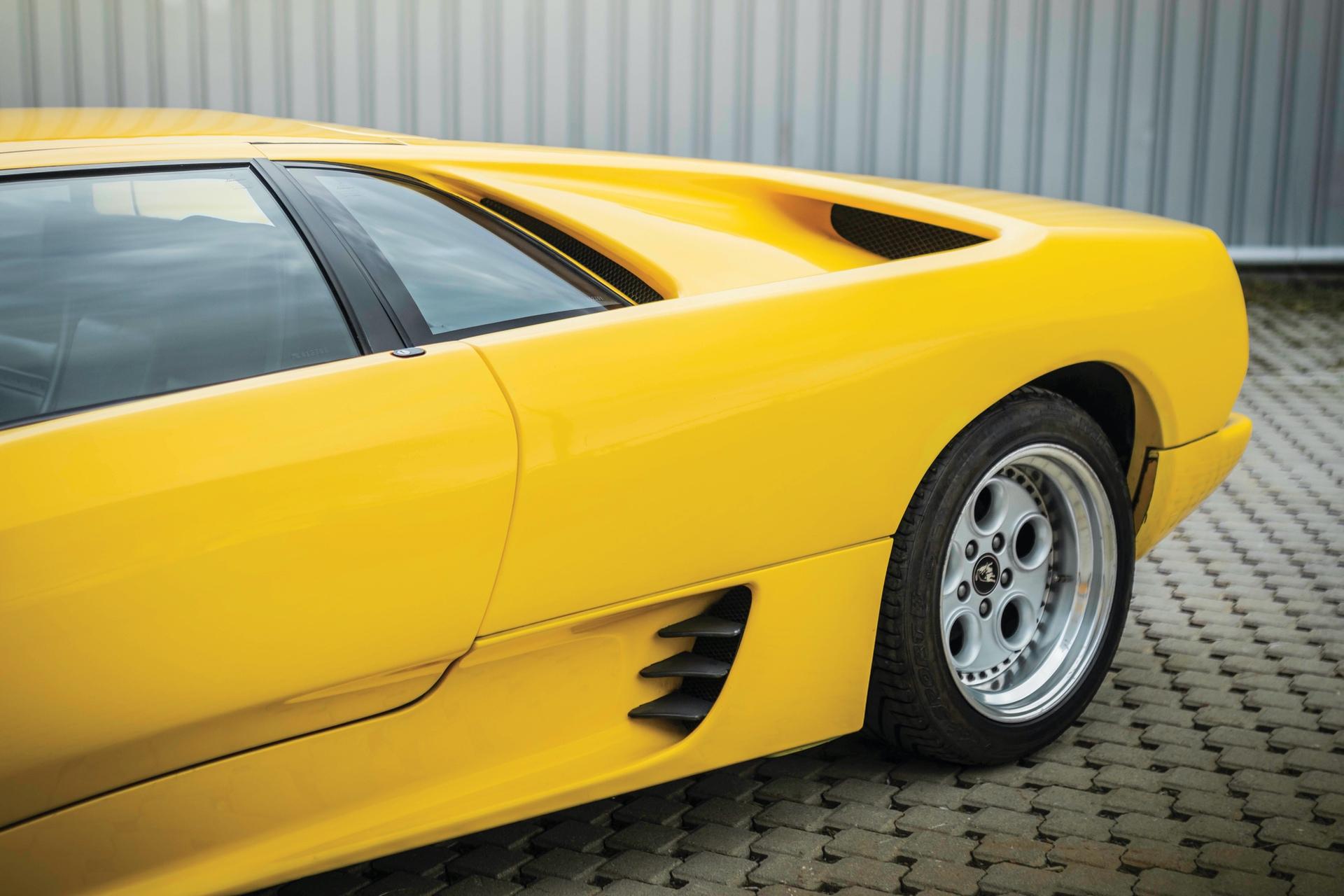 1991-Lamborghini-Diablo-_28