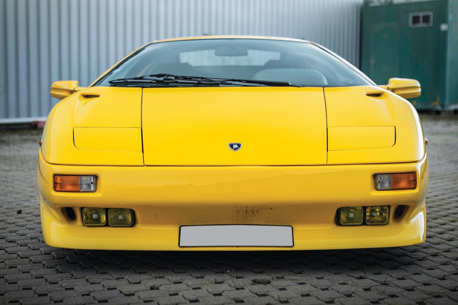 1991-Lamborghini-Diablo-_7