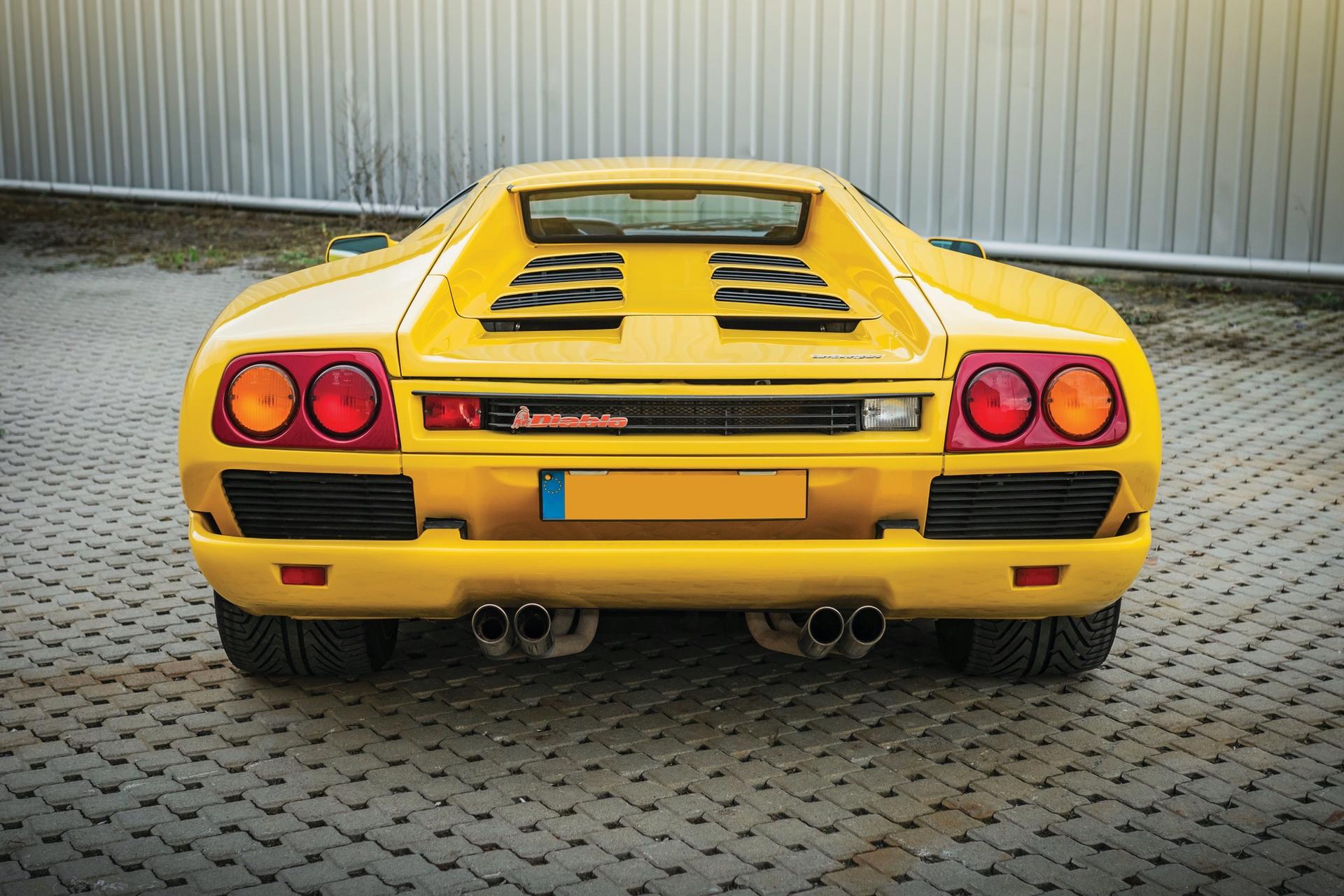 1991-Lamborghini-Diablo-_8