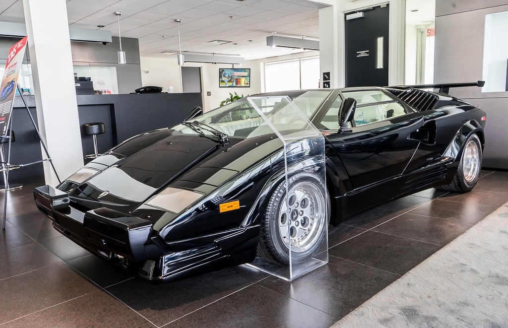 Lamborghini_Countach_25th_Anniversary_sale_0000