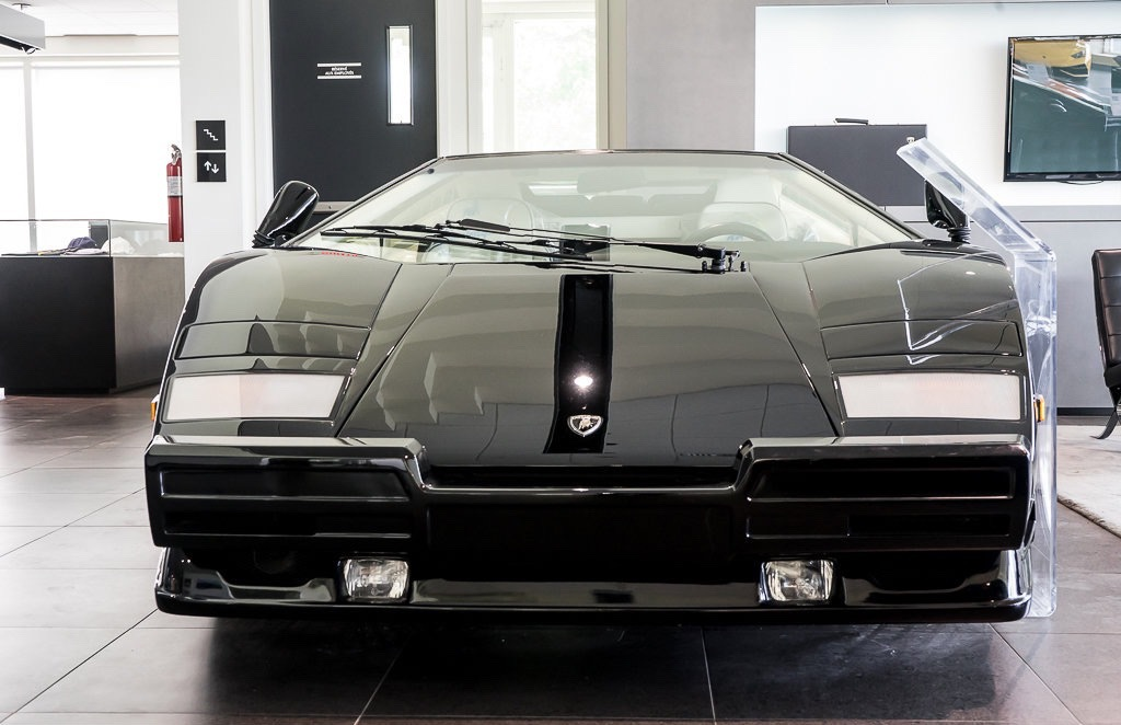 Lamborghini_Countach_25th_Anniversary_sale_0001