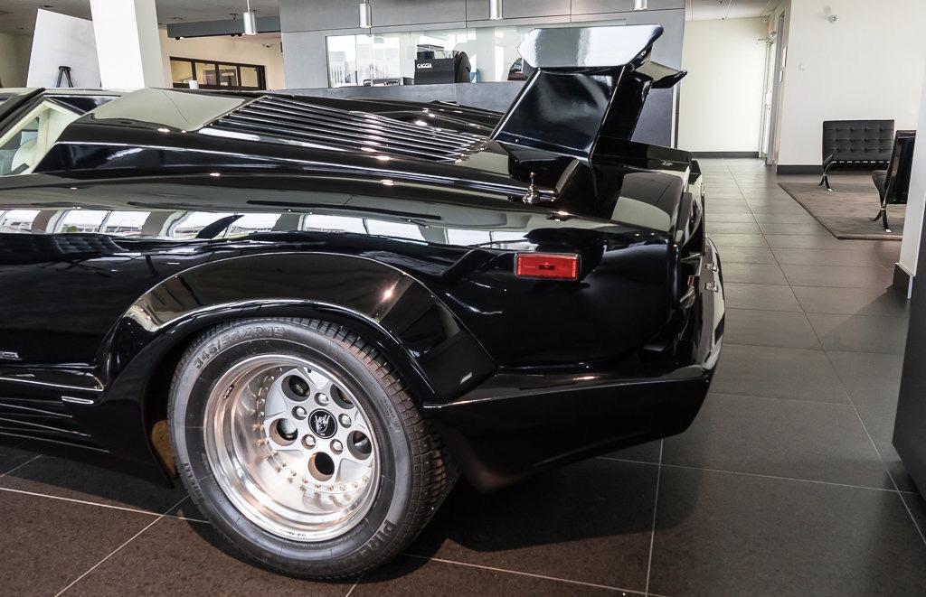 Lamborghini_Countach_25th_Anniversary_sale_0006