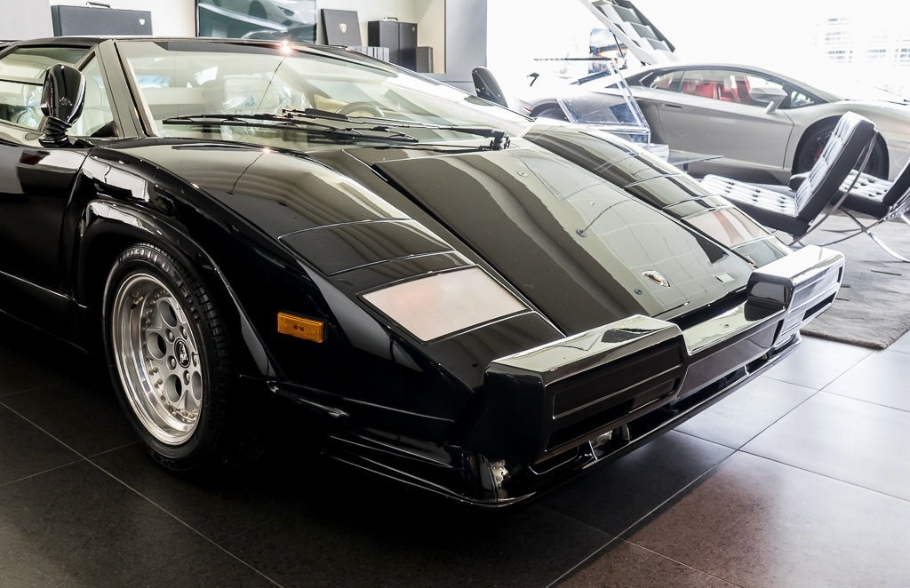 Lamborghini_Countach_25th_Anniversary_sale_0013