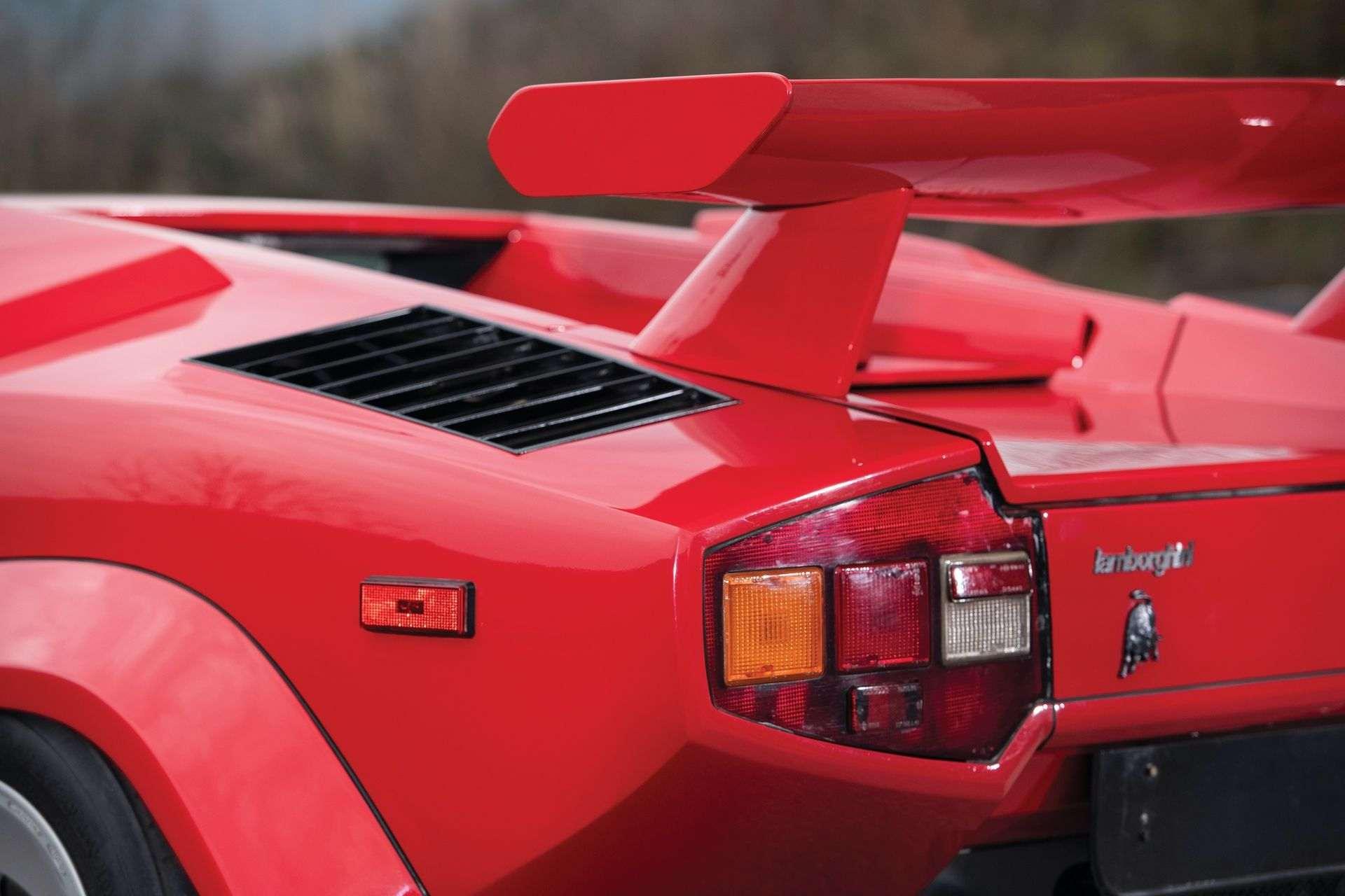 Lamborghini_Countach_5000S_0011