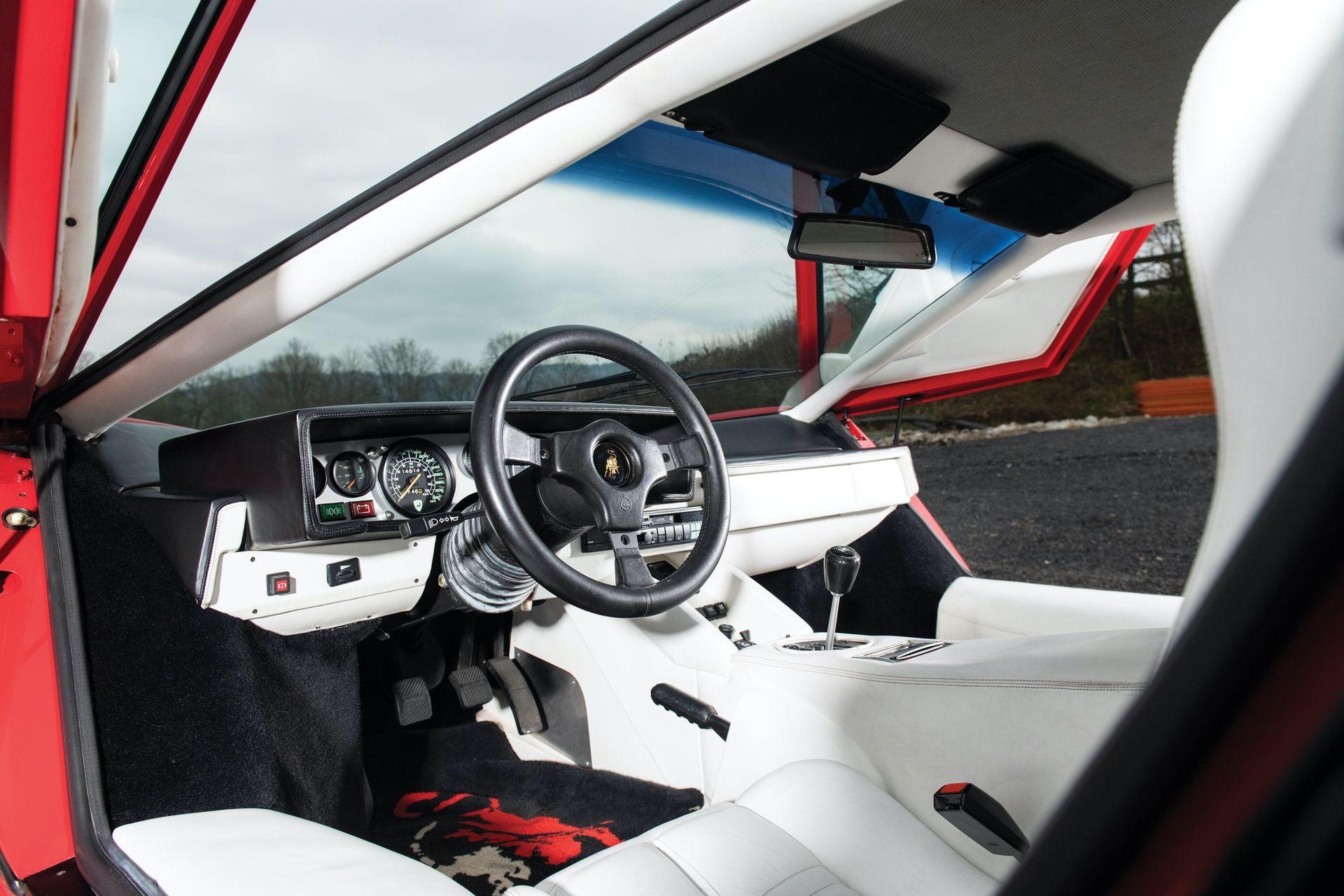 Lamborghini_Countach_5000S_0016