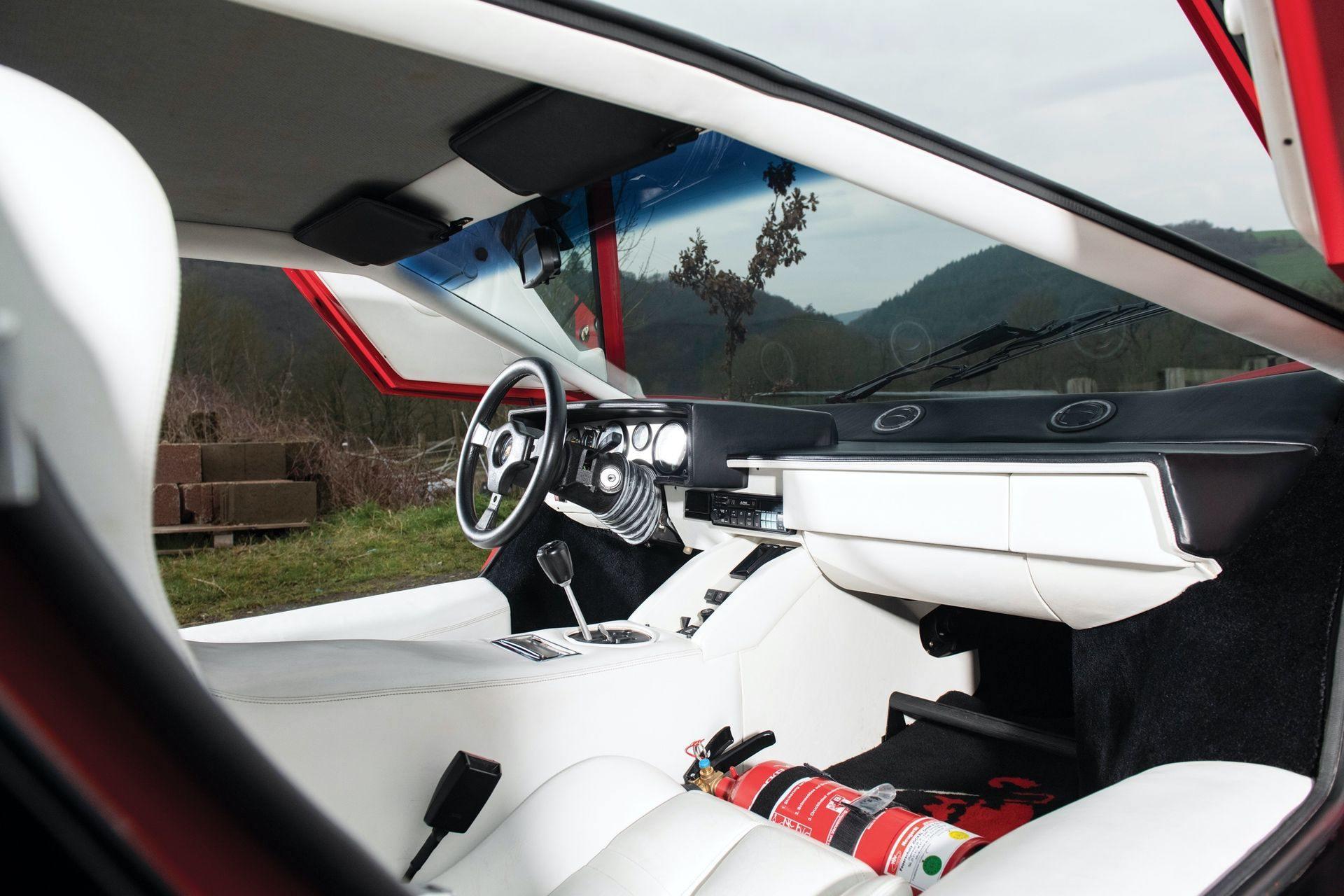 Lamborghini_Countach_5000S_0017