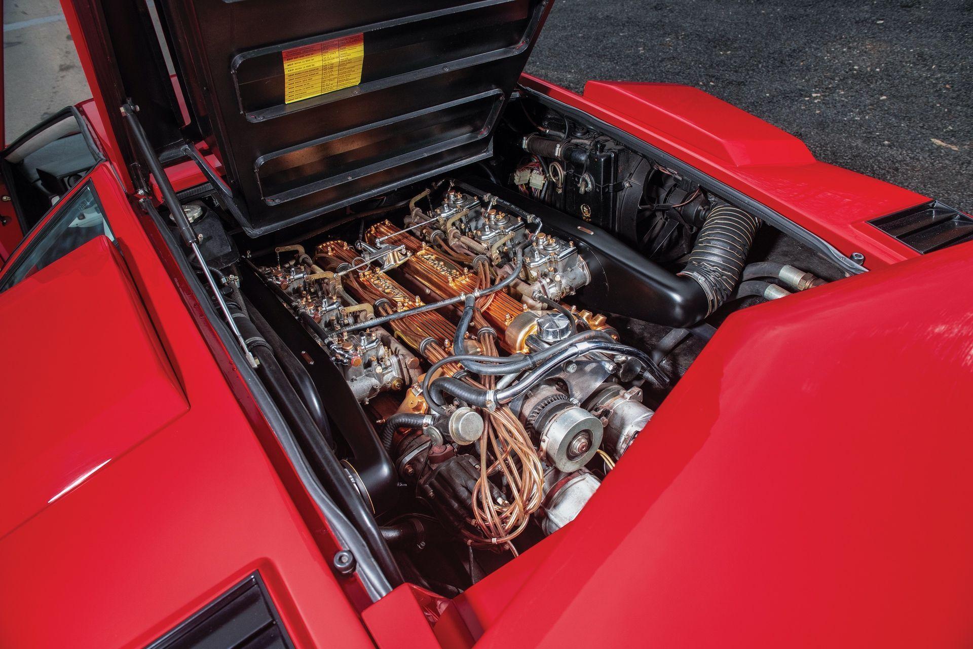 Lamborghini_Countach_5000S_0024