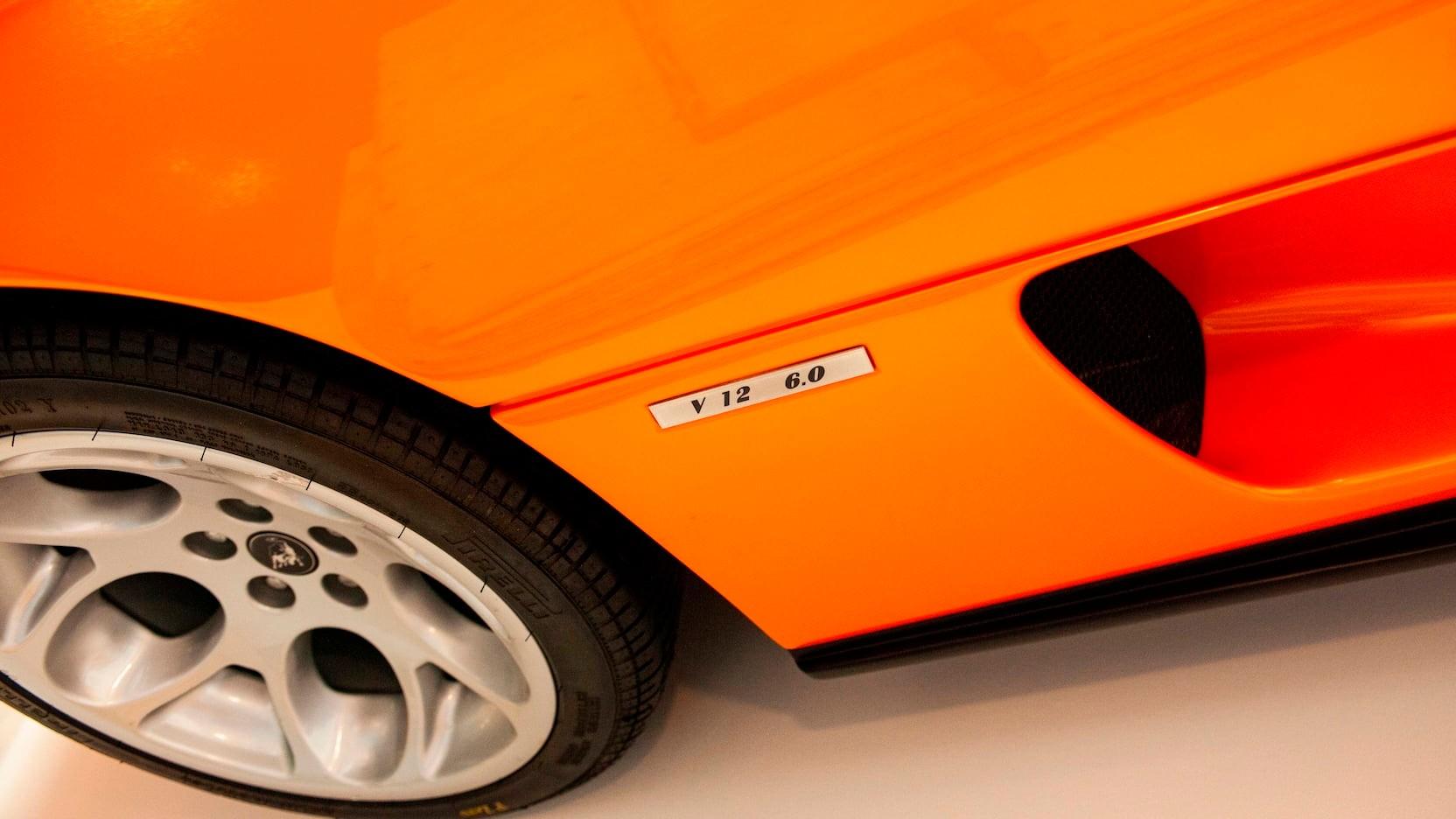 Lamborghini-Diablo-VT-for-wall-12